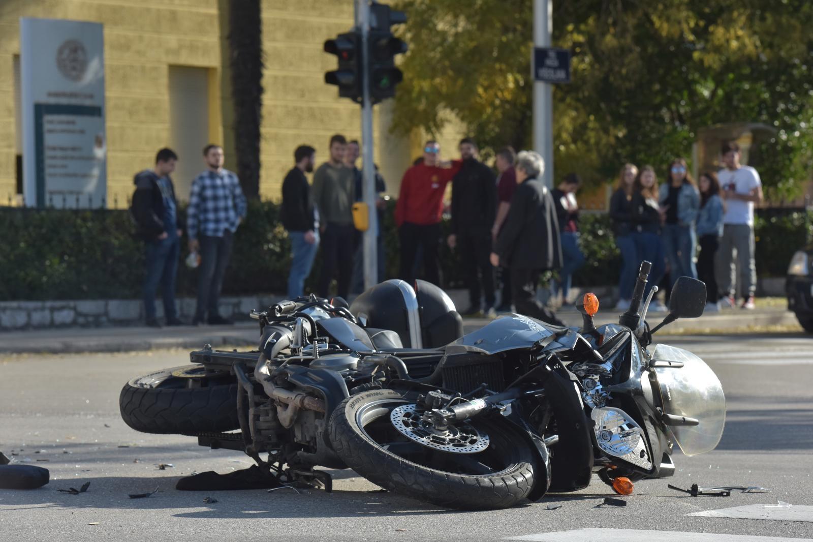PETRINJA Motociklist poginuo u sudaru s automobilom