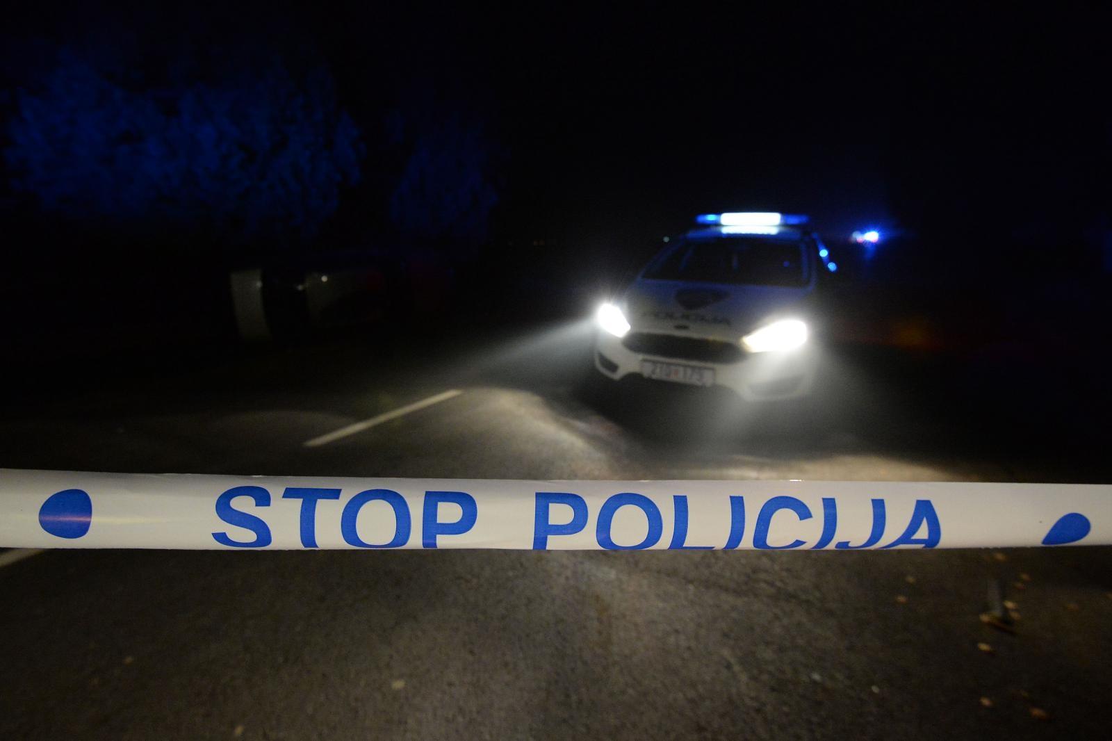 Jedna osoba poginula, troje ozlijeđenih u prometnoj nesreći kod Đakova