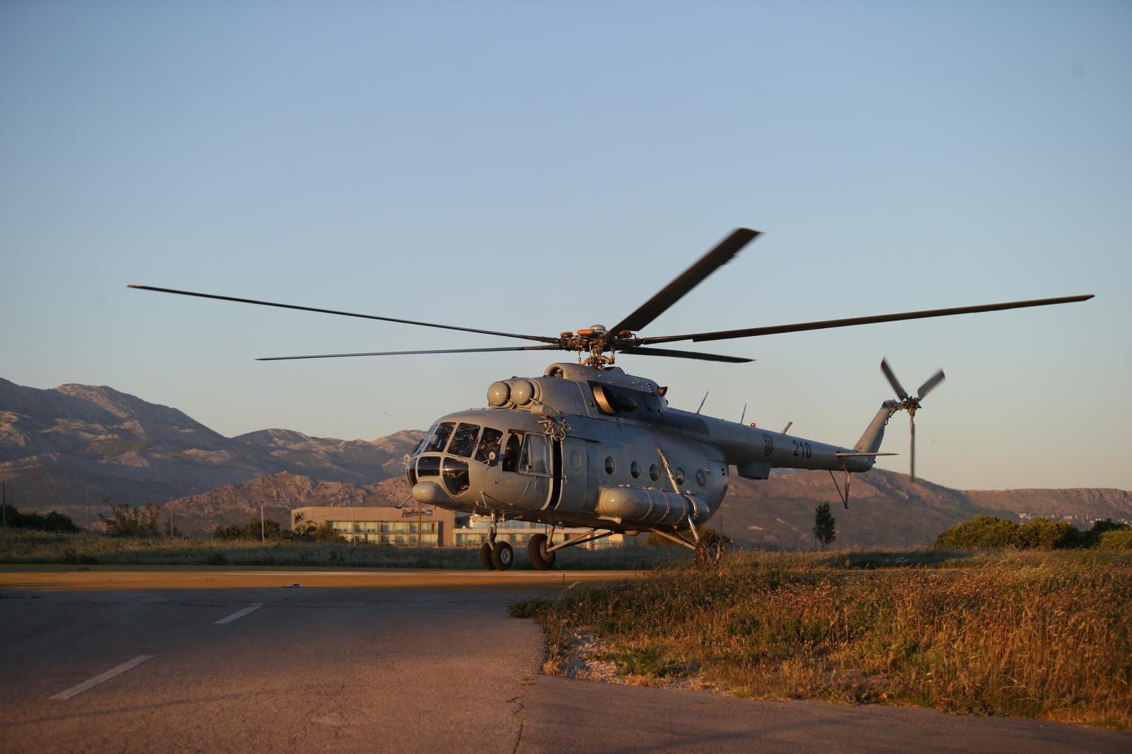 Nakon obuke MORH-ovim helikopterom otišli u krivolov na vepra na Dinari