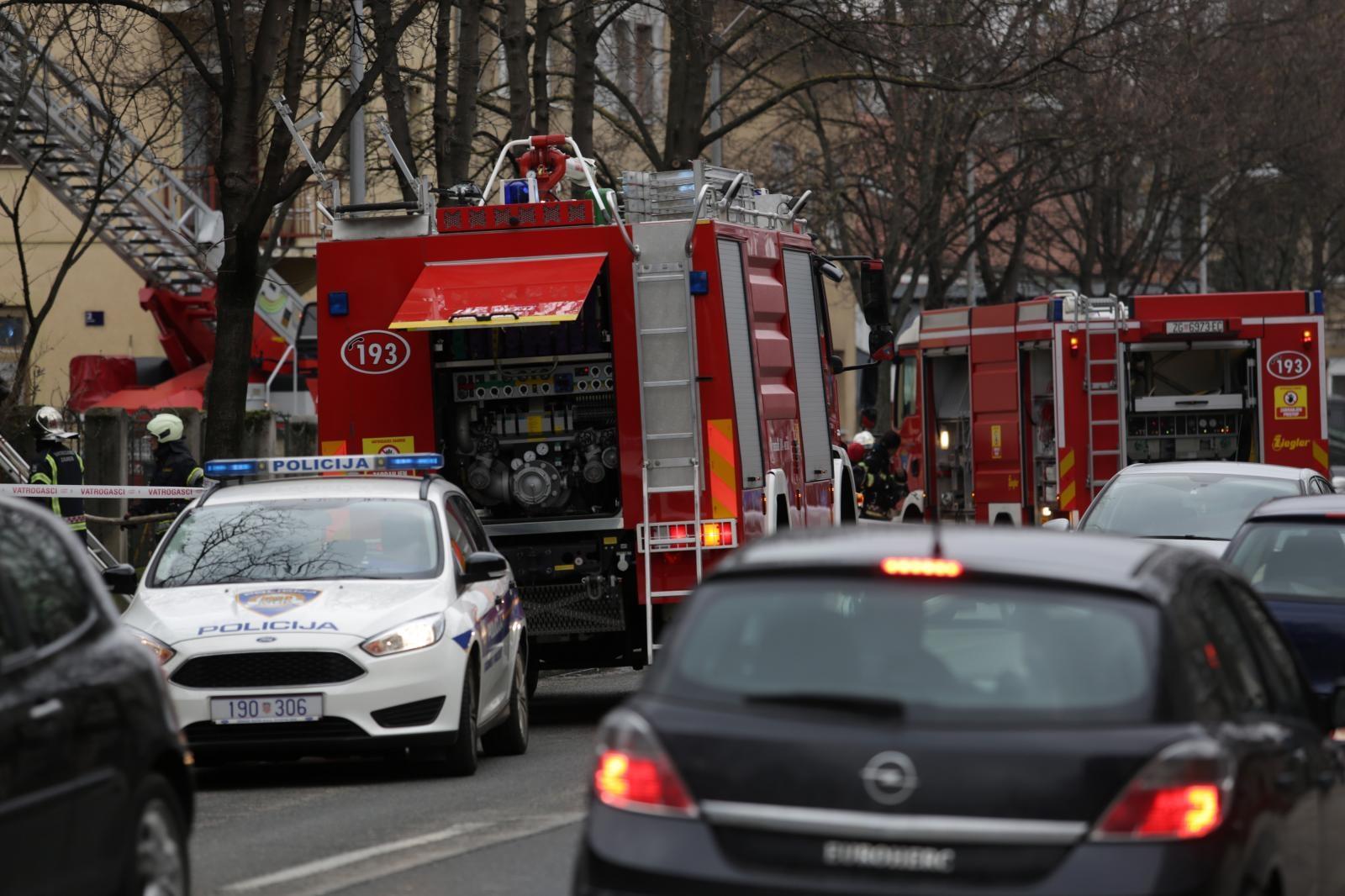 Žena smrtno stradala u požaru kuće na zagrebačkom Srebrnjaku