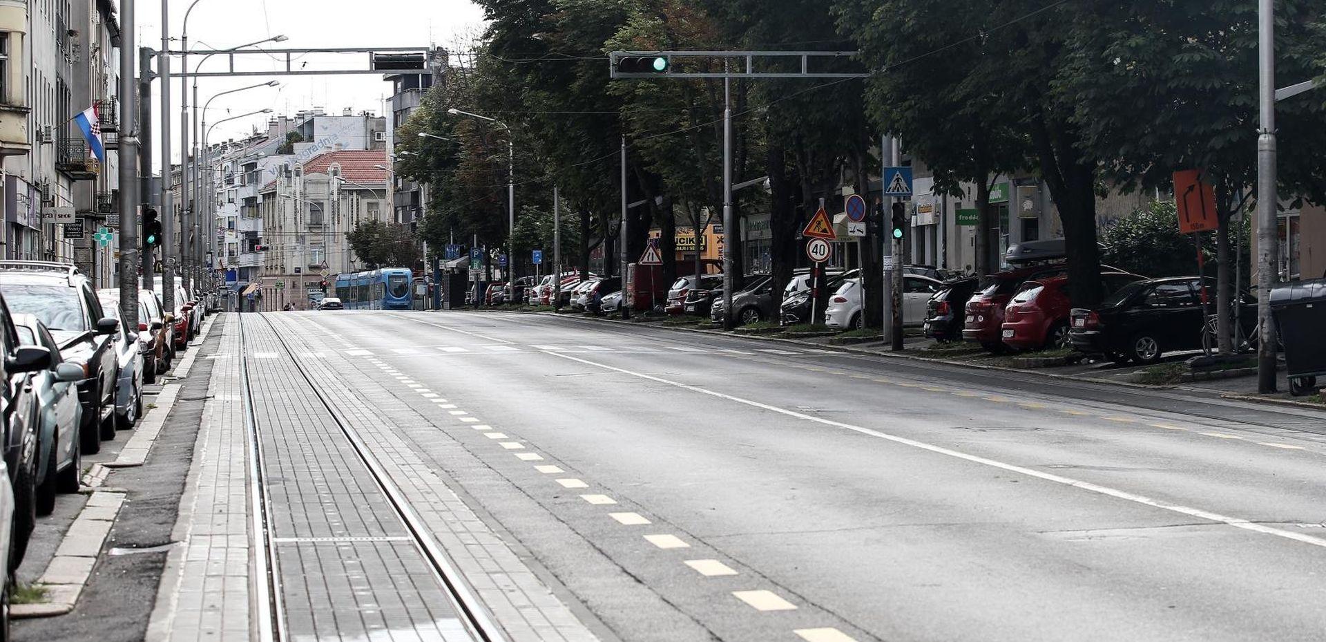 Zatvoren promet na Maksimirskoj zbog puknuća vodovodne cijevi