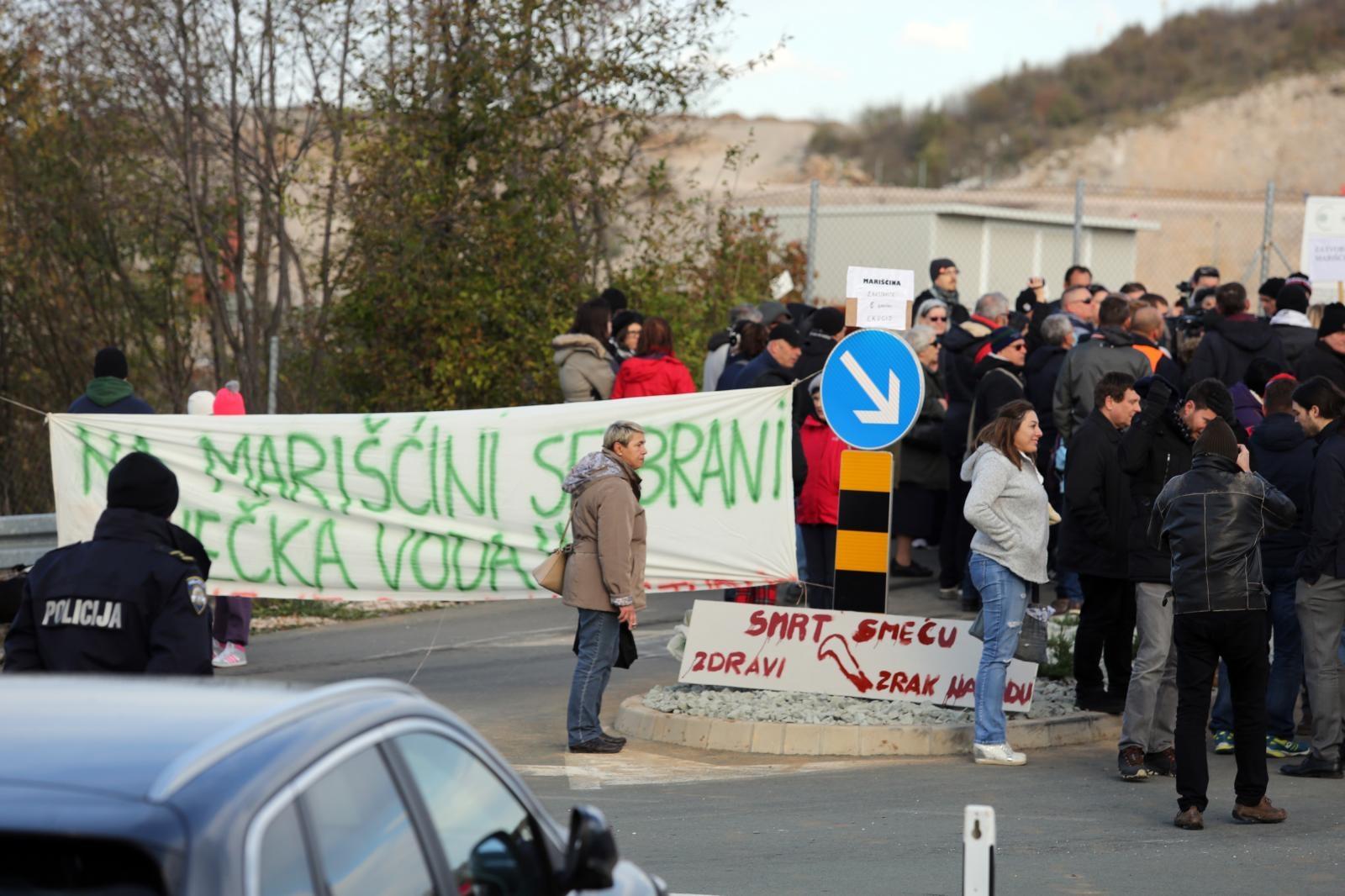 Mještani općine Viškovo blokirali ulaze u ŽCGO Marišćina