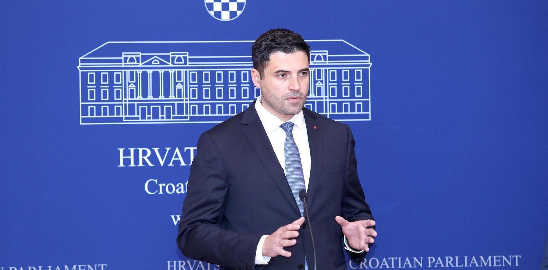 Bernardić i Kosor reagirali na izručenje Todorića