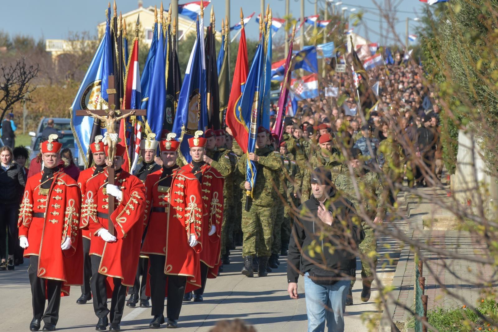 ŠKABRNJA Više od 15 000 ljudi u koloni sjećanja
