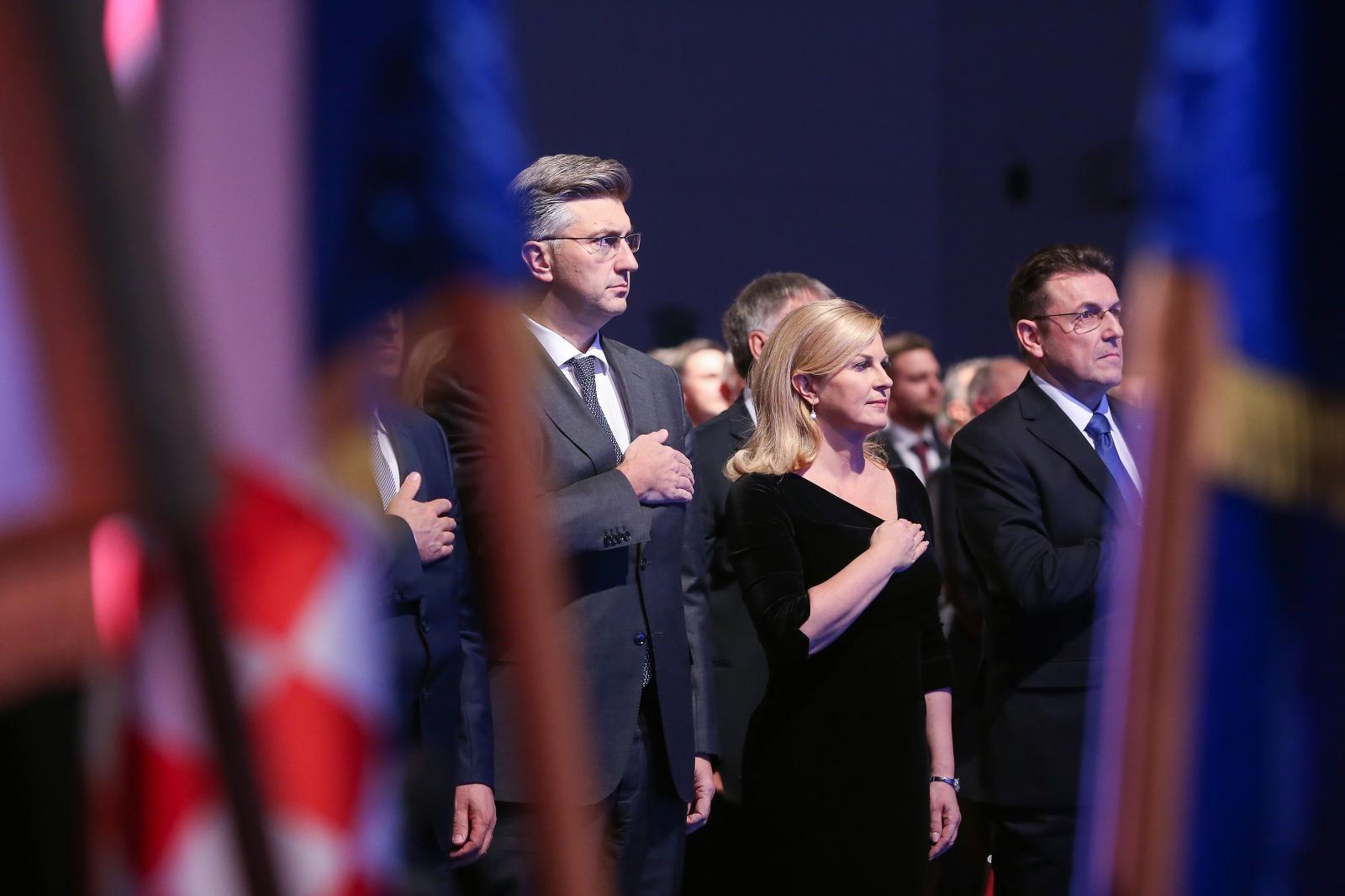 Predsjednica odlučno odbacila konstrukcije o umješanosti u rušenje HDZ-ove Vlade