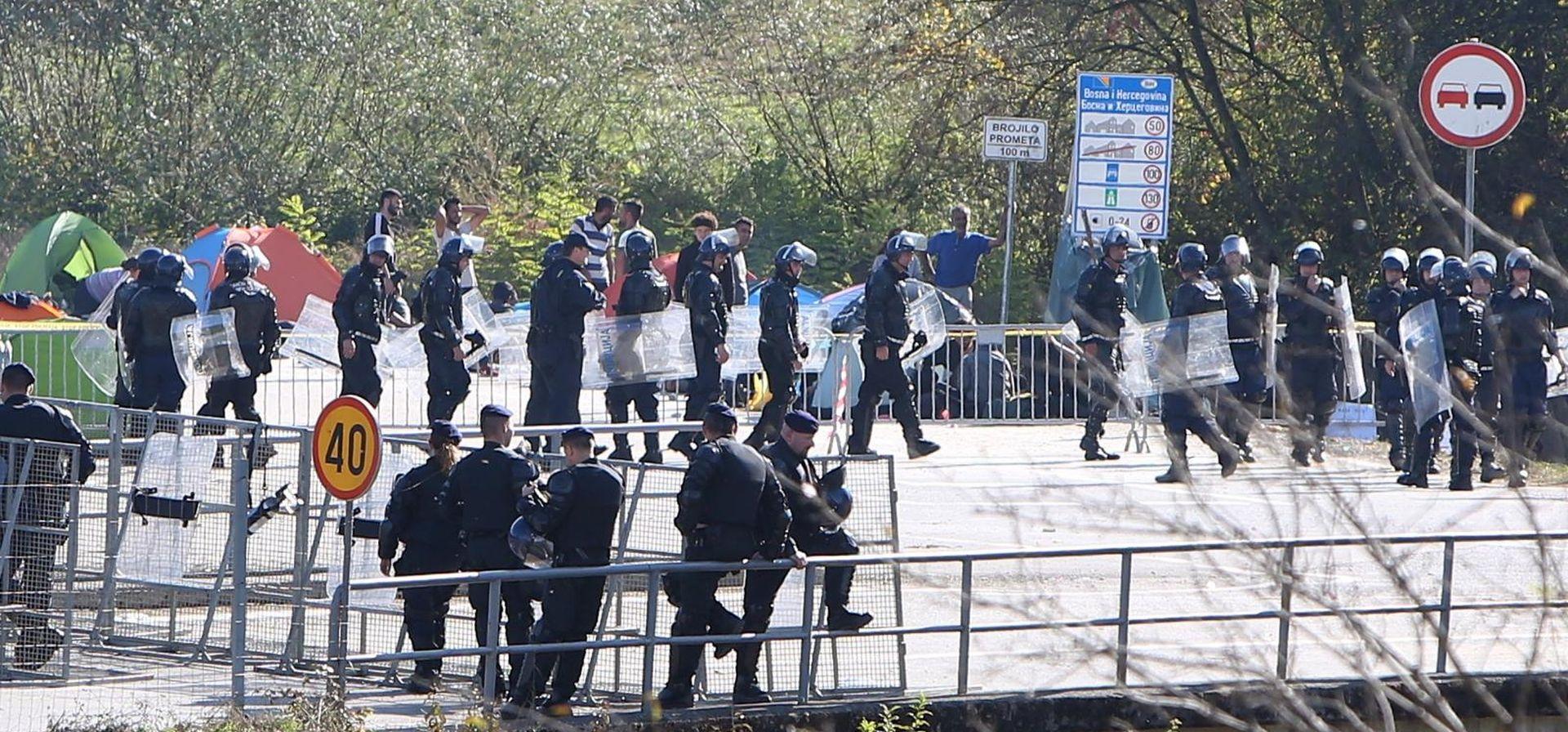 U tučnjavi migranata u Velikoj Kladuši ozlijeđeno šest osoba