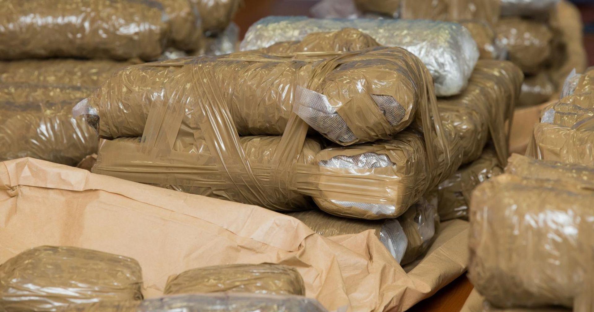 SPLIT U automobilu skrivali 3,4 kilograma marihuane