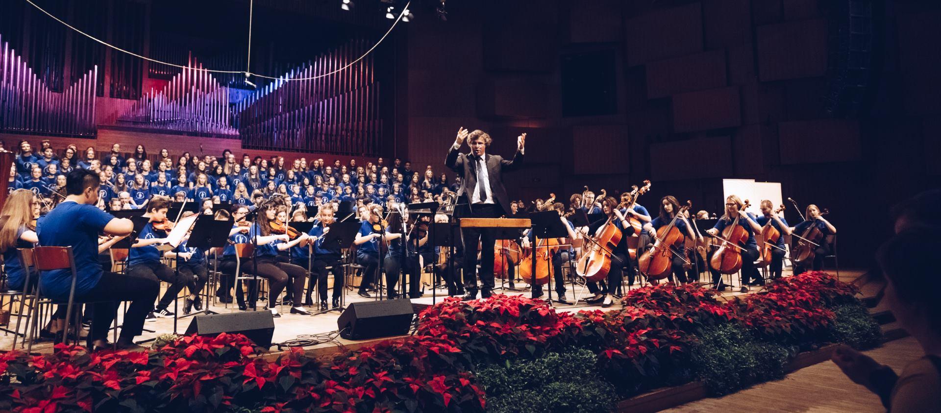 Više od 250 mladih glazbenika iz Hrvatske, BiH i Srbije oduševilo publiku u Lisinskom