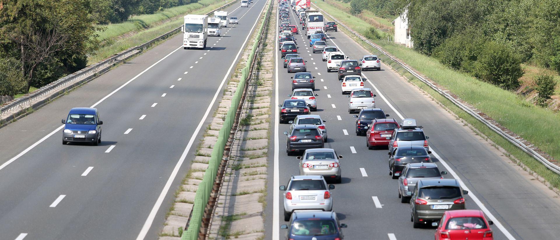 Vozilo u krivom smjeru na A3 Bregana- Lipovac