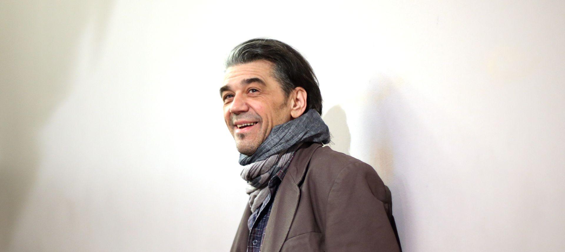 'Sam samcat' Bobe Jelčića otvorio mostarski festival