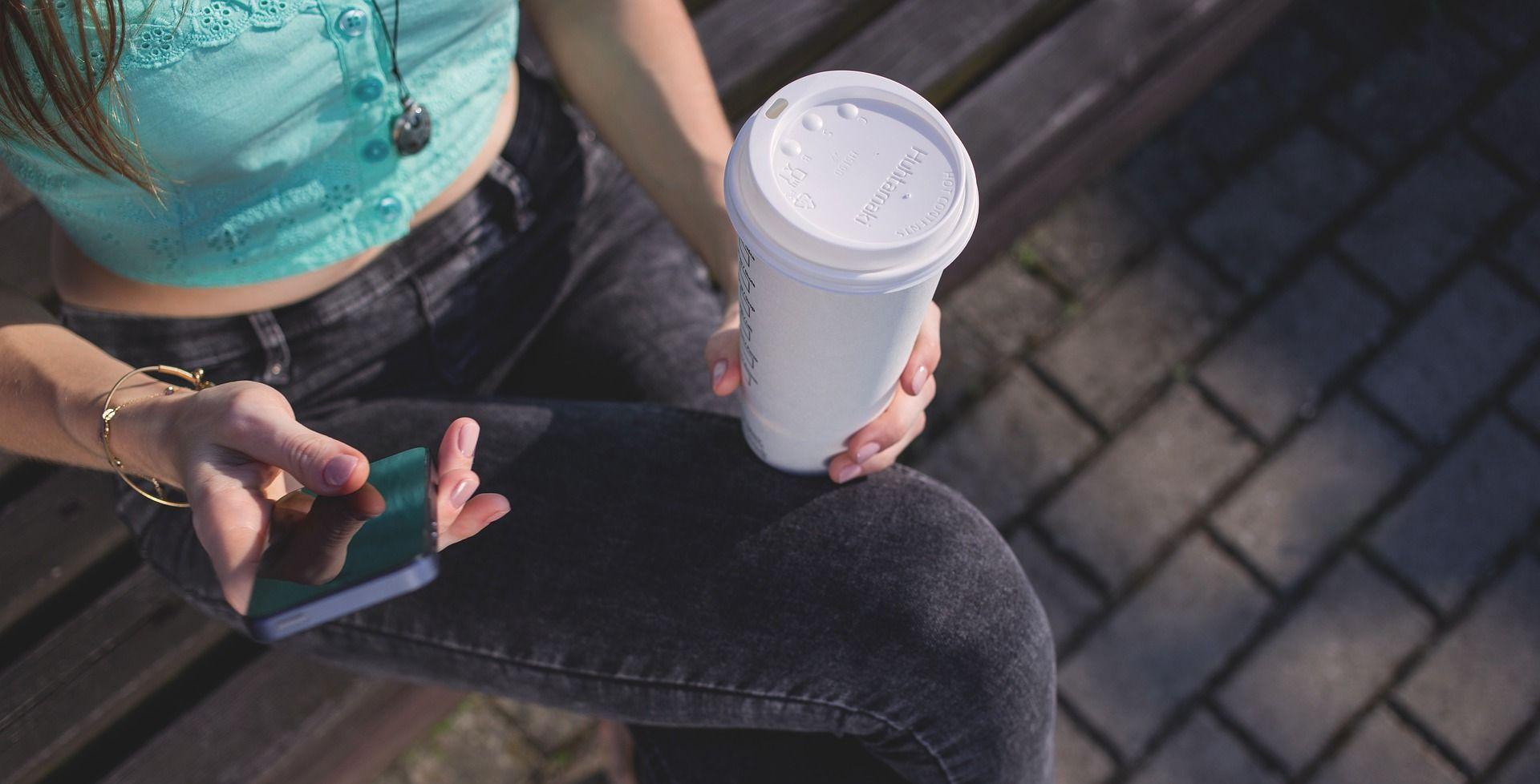 """Zbog štetnih kemikalija povučena šalica """"Coffee to go"""""""