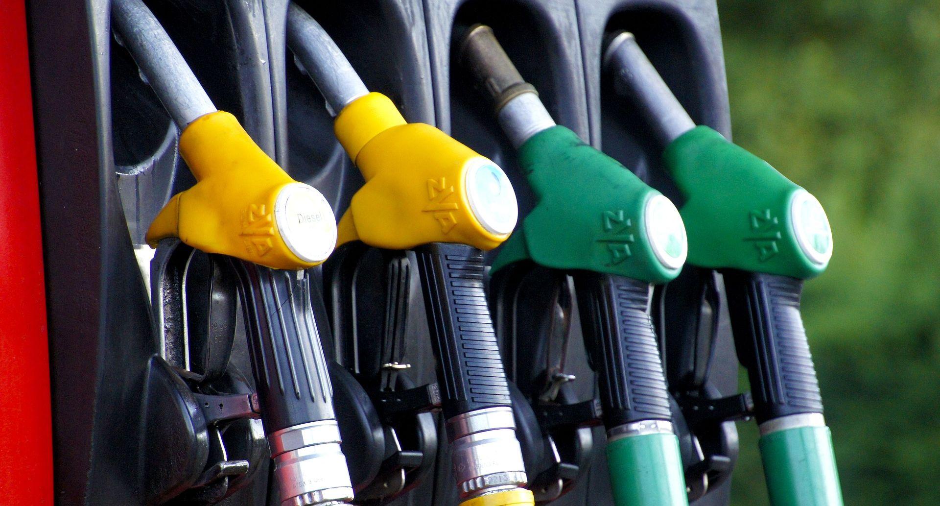 NOVE CIJENE GORIVA Benzin pojeftinio više od dizela