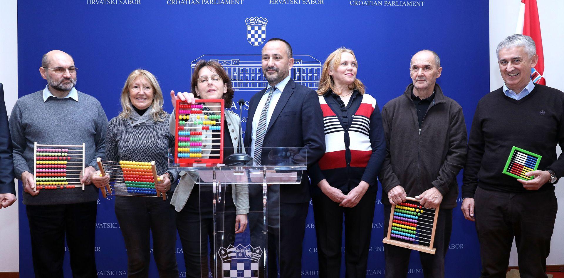 APIS Inicijatori referenduma pregledali popise