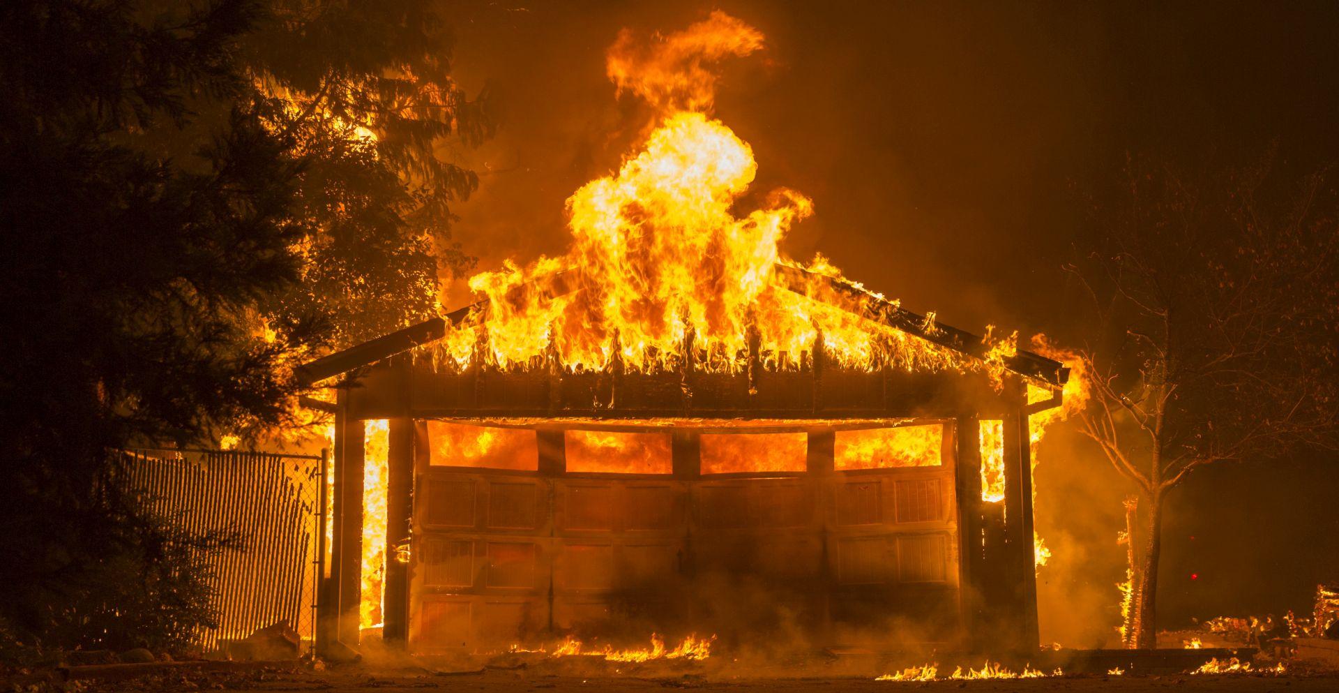 Kalifornijski inferno guta sve pred sobom