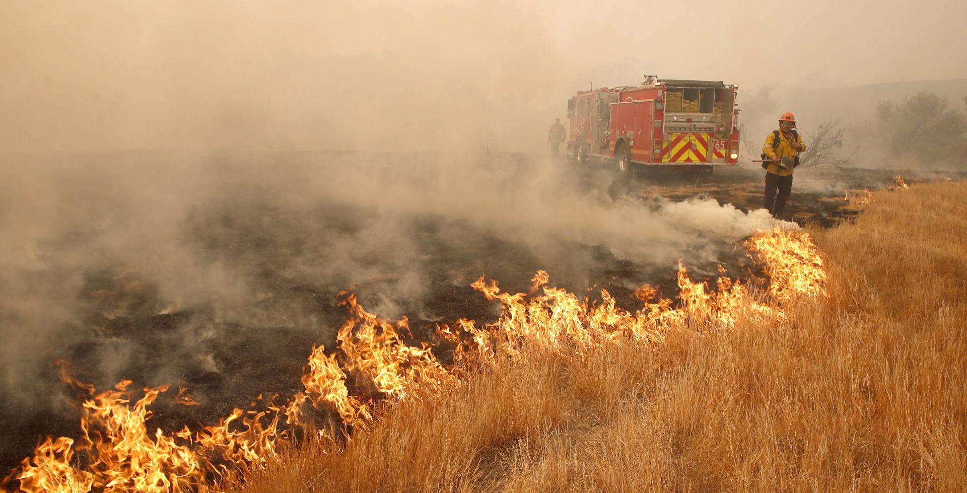 KALIFORNIJA Najmanje 25 poginulih u razornim požarima
