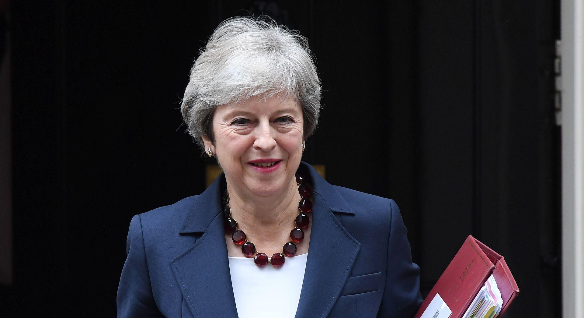 Vlada podržala May, slijedi natezanje u parlamentu
