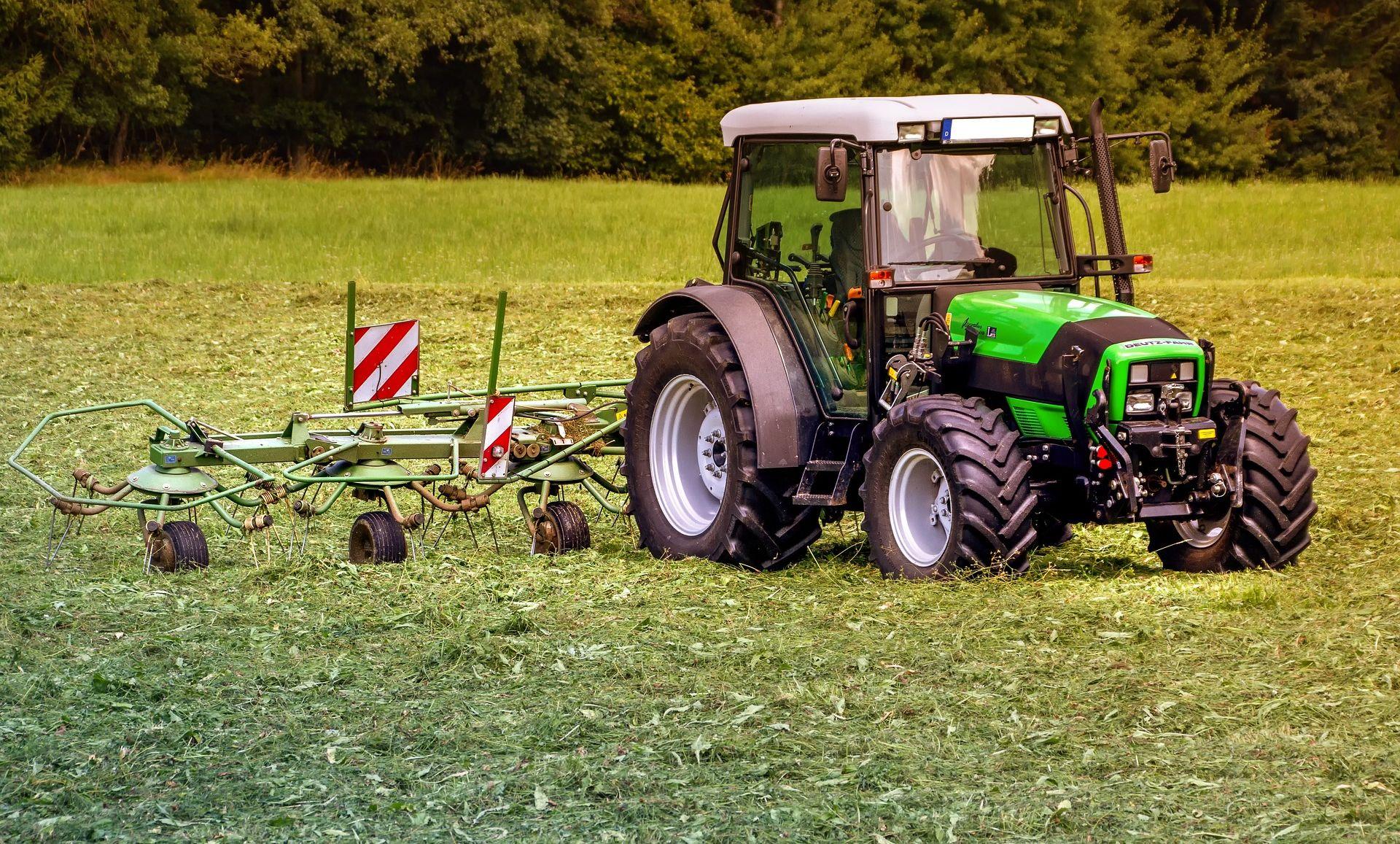 Tolušić se hvali povećanjem poticaja, a zakida poljoprivrednike