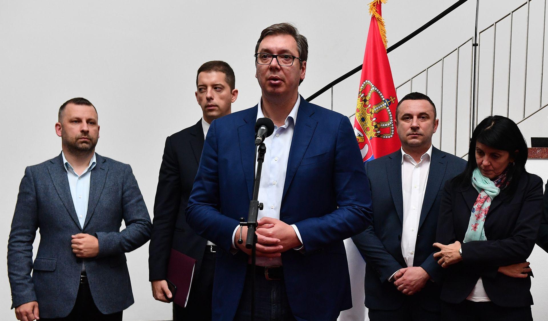 Vučić sazvao šefove vojske, policije i obavještajne službe
