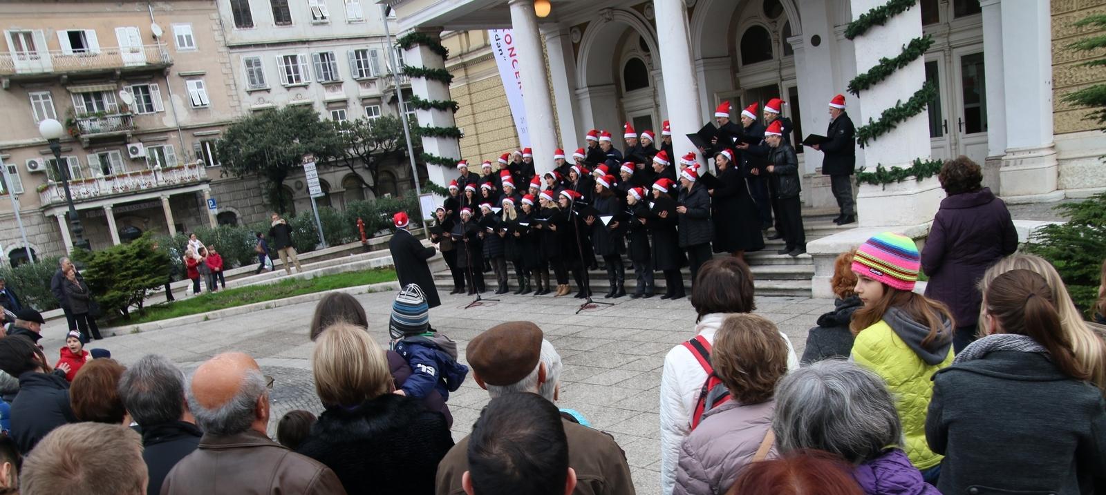 Koncert zbora riječke Opere na Badnjak