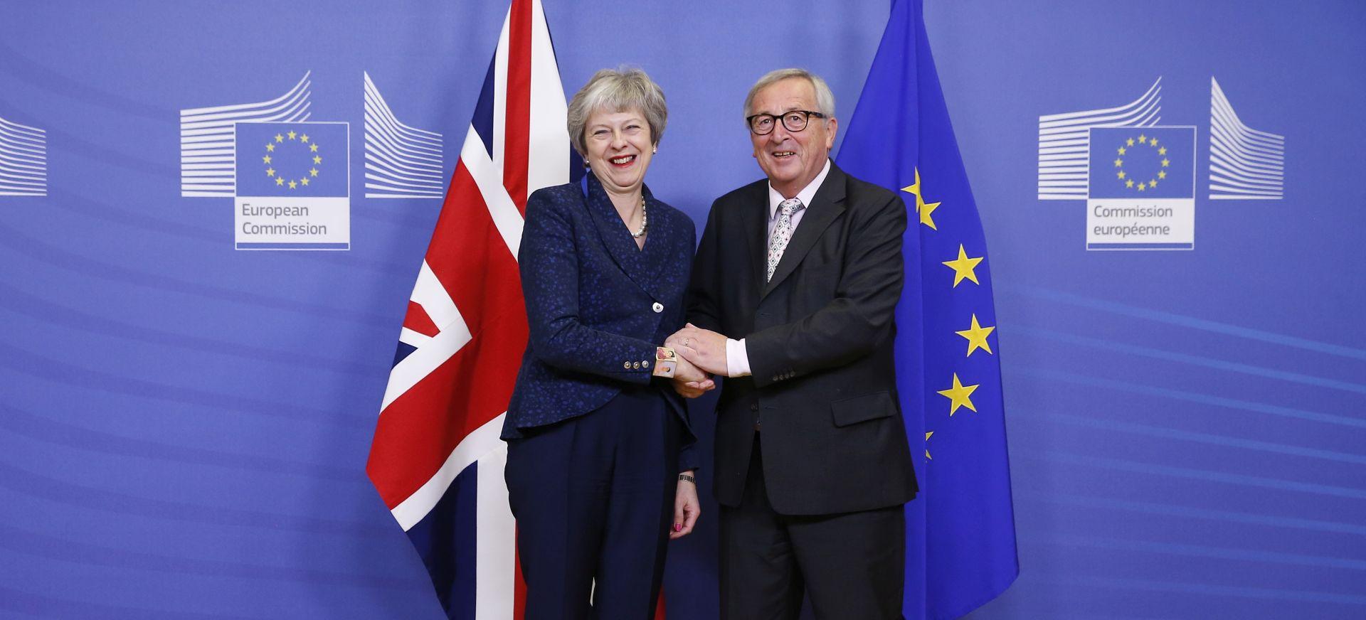 """JUNCKER """"EU nudi pojašnjenja dogovora o Brexitu, ali neće pregovarati"""""""