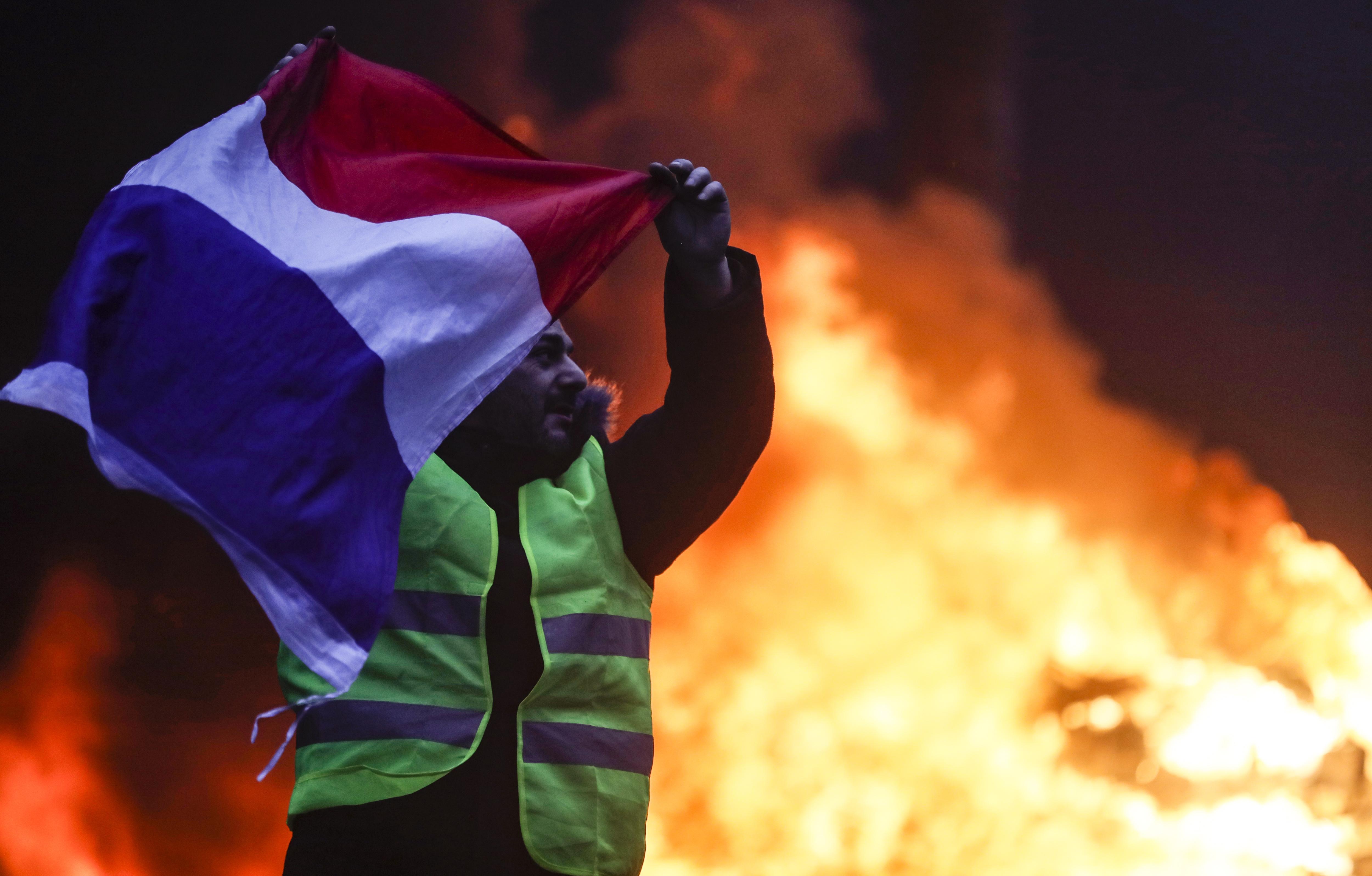 PARIZ Najmanje 224 osobe uhićene u prosvjedu, stotinjak ozlijeđenih
