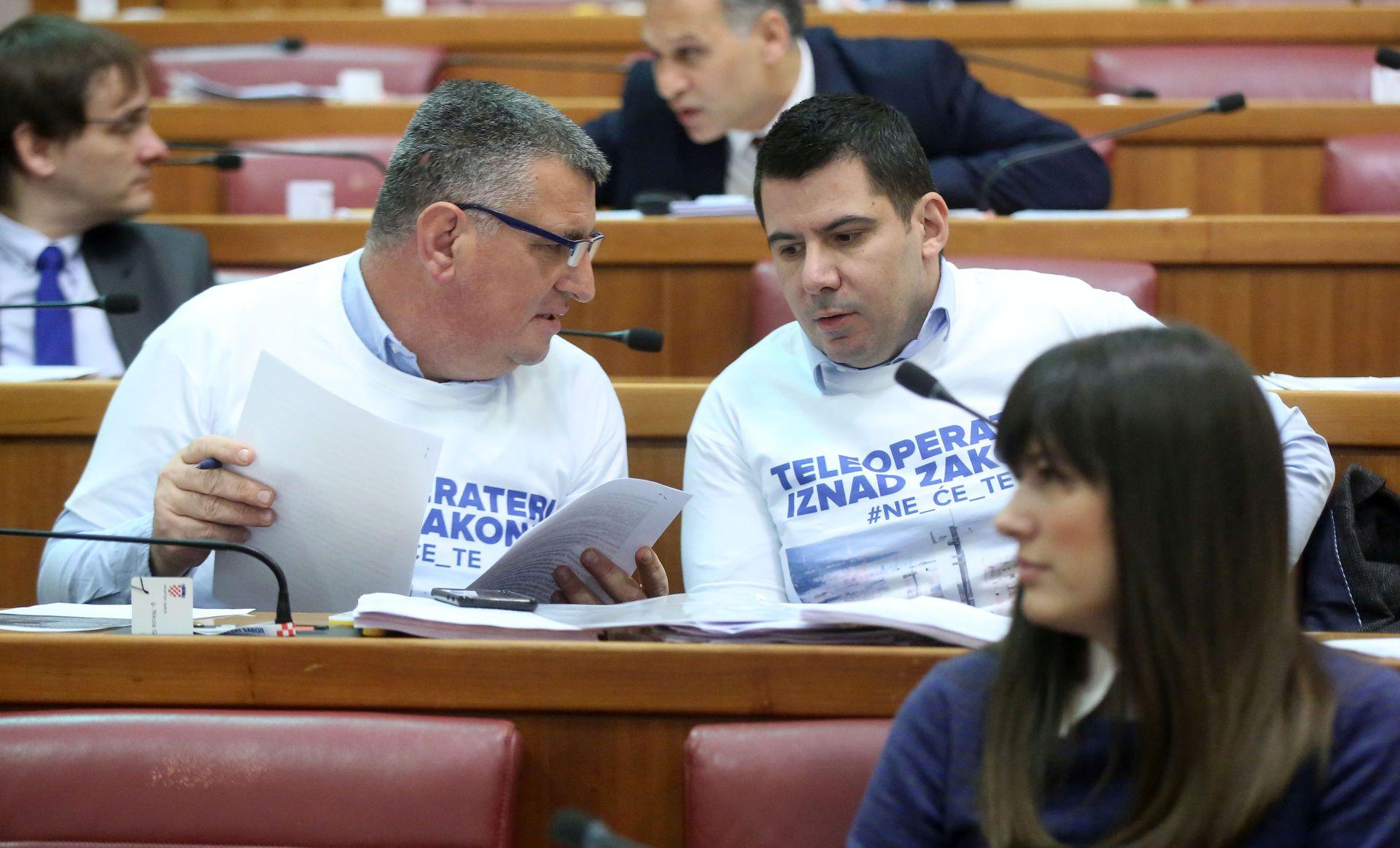 Grmoja proziva HDZ-ovce, Most napustio sabornicu