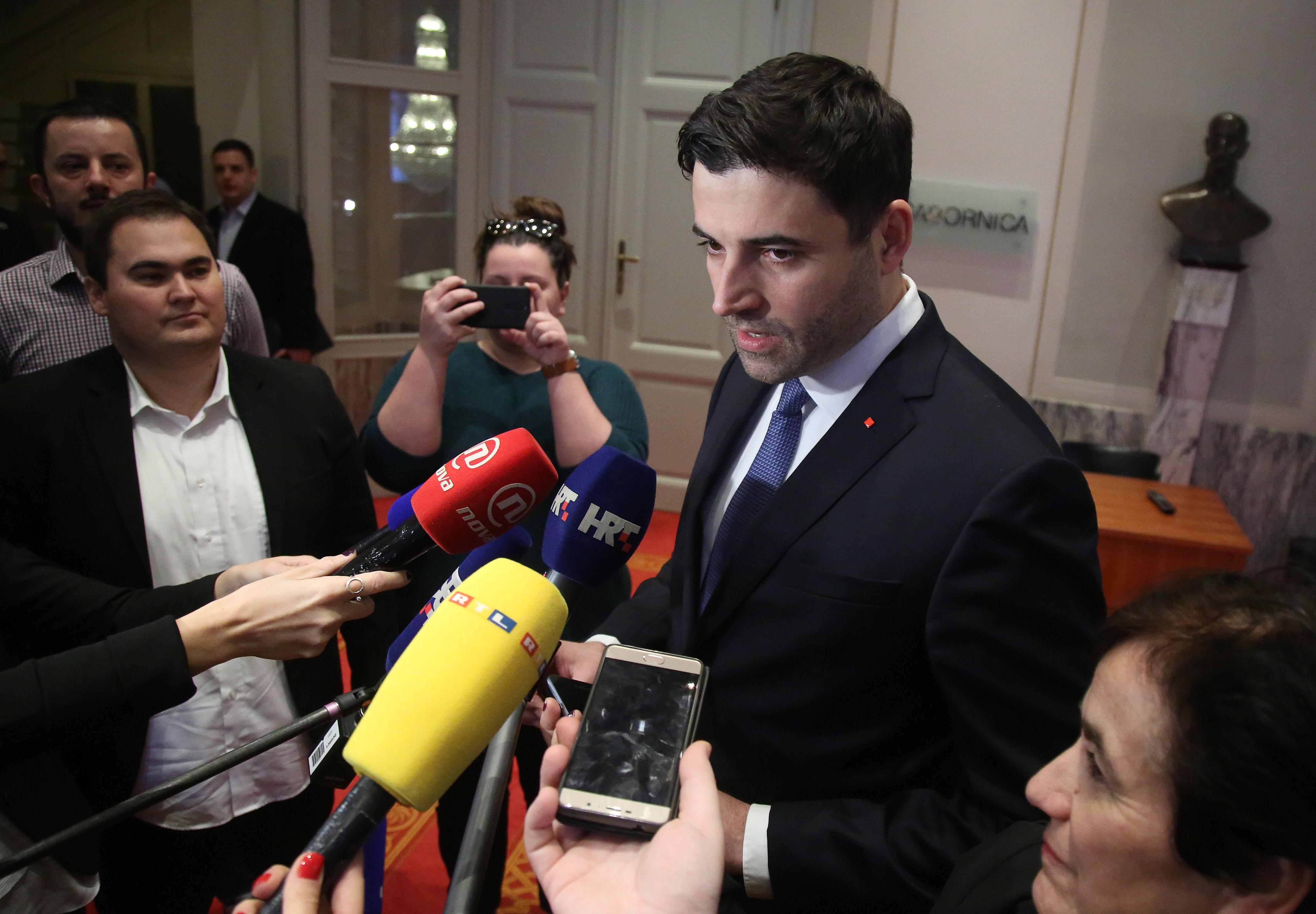 Bernardić demantirao da se predlagalo glasanje o povjerenju njemu