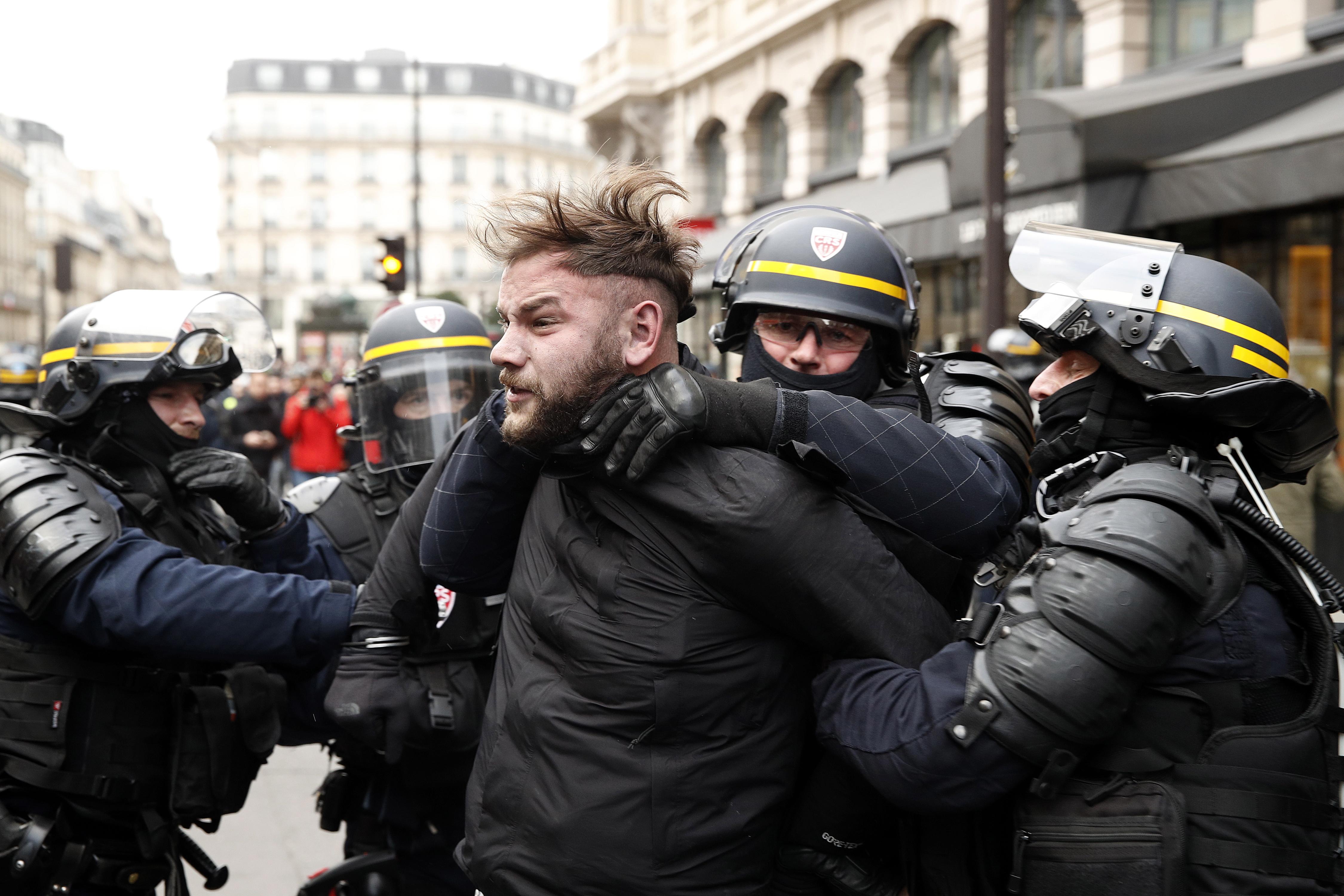 U prosvjedima u Francuskoj uhićeno 1385 osoba