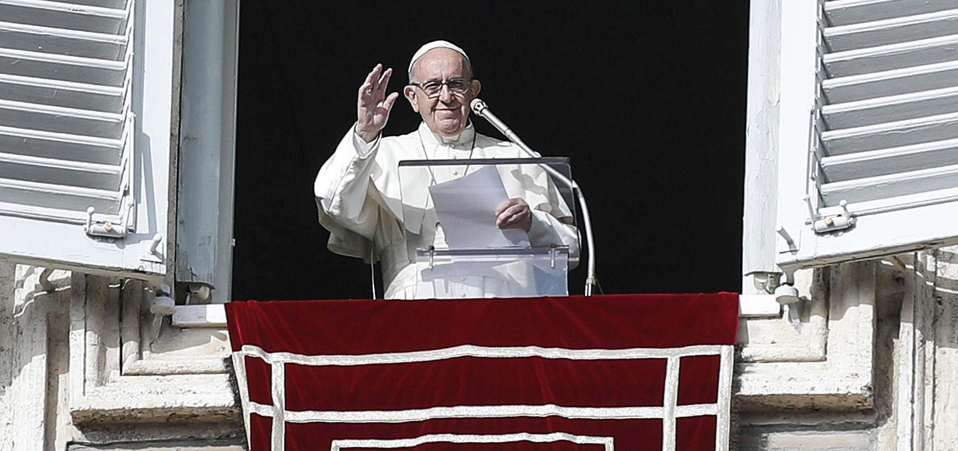 Papa poziva svećenike-predatore da se svojevoljno predaju vlastima