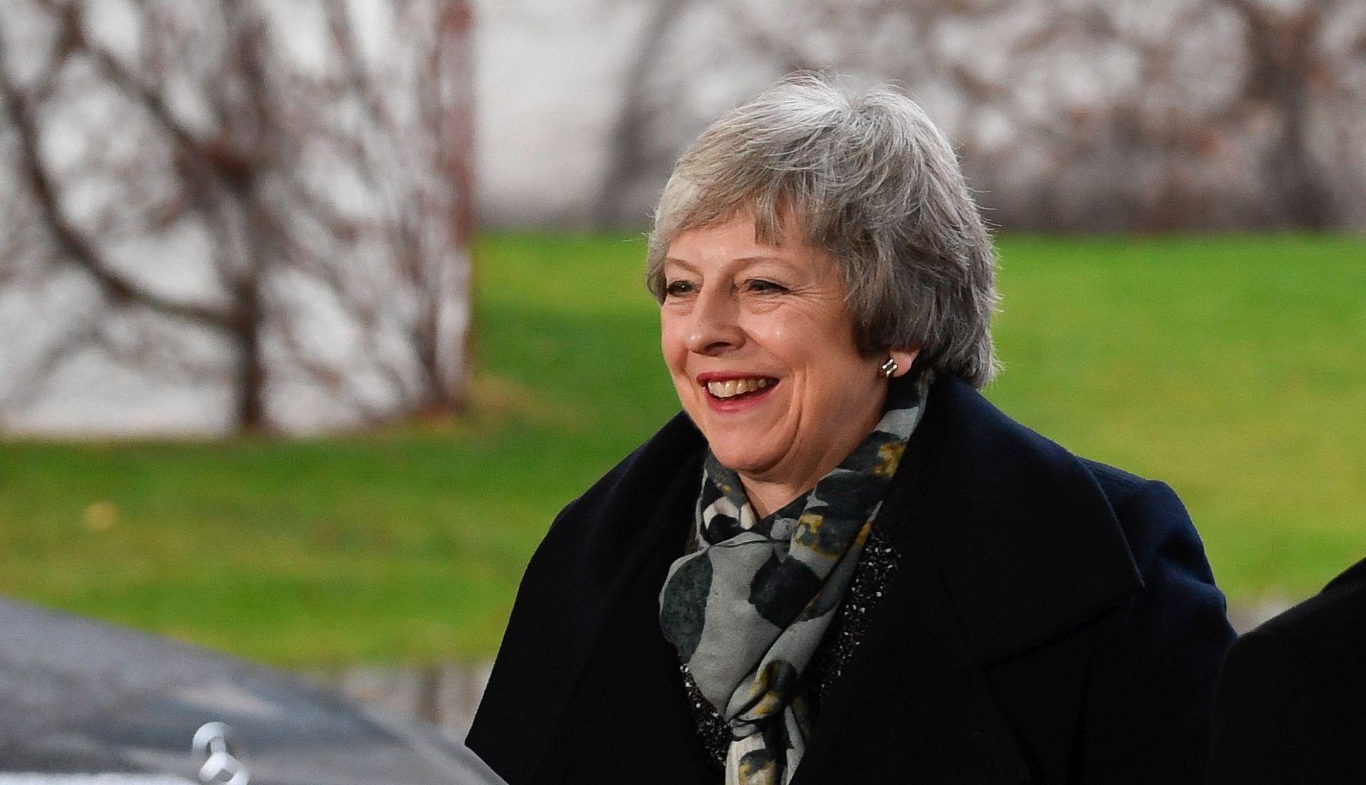 Konzervativci pokrenuli glasanje o povjerenju premijerki May