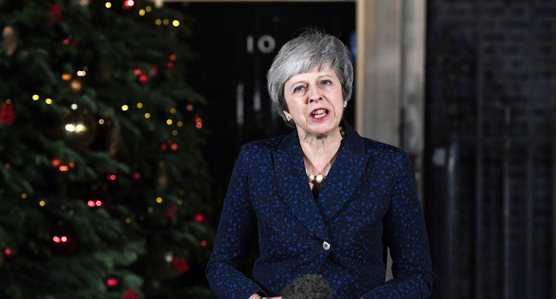 "Oslabljena May u Bruxellesu traži pomoć za ""bolji"" Brexit"