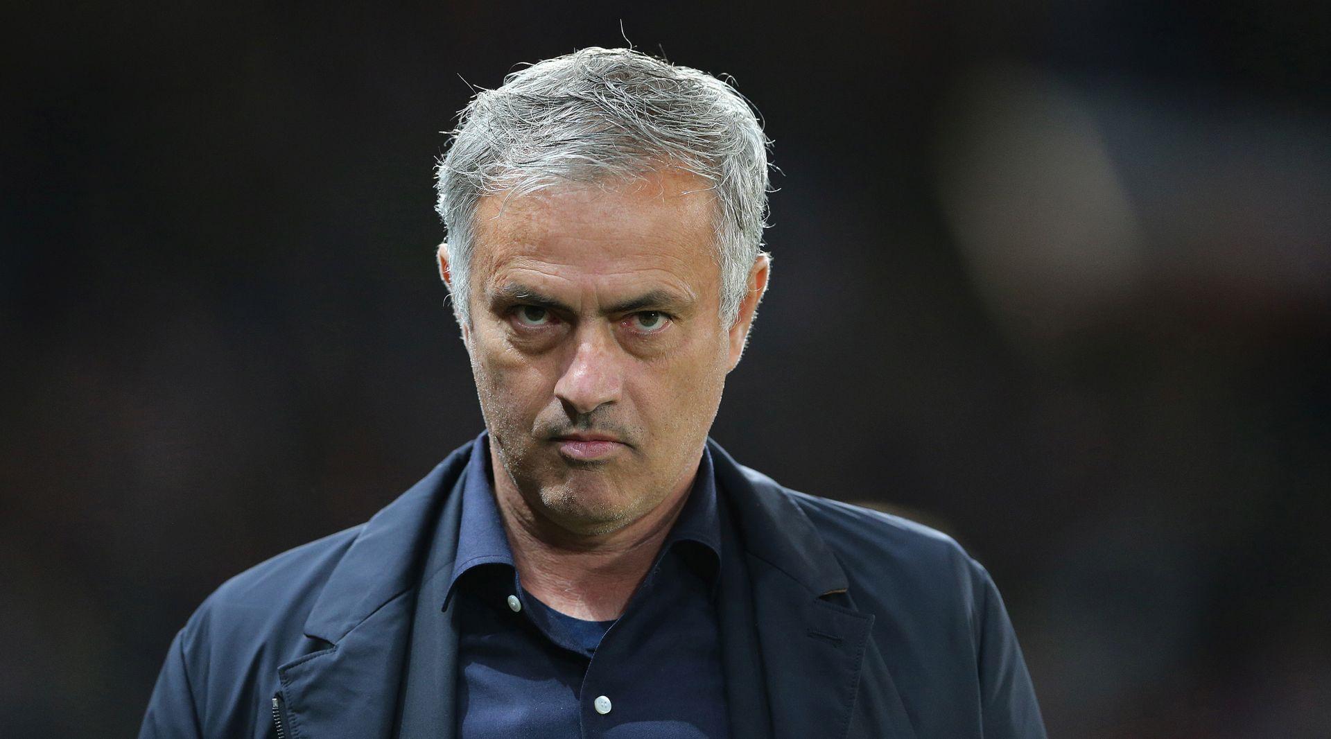 """Mourinho: """"Suci su postali pomoćnici, a glavne odluke donosi VAR"""""""