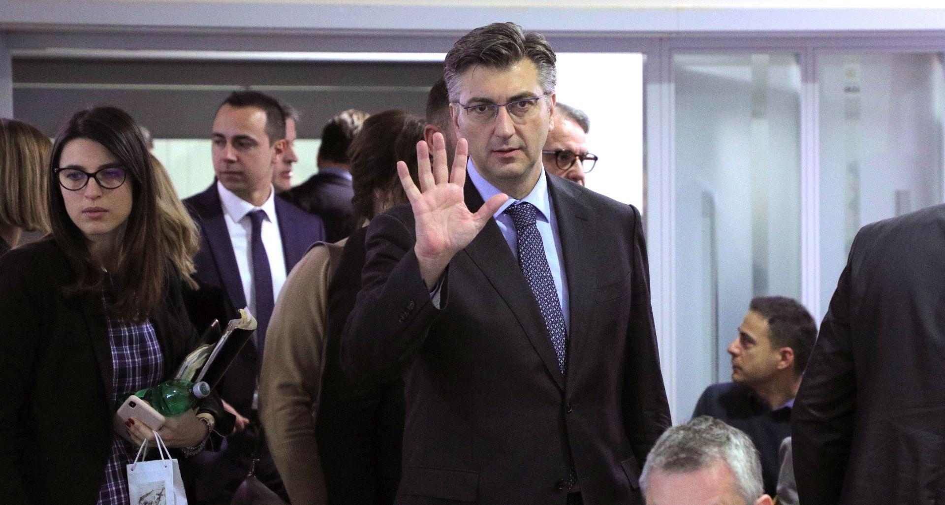 """PLENKOVIĆ """"Efekti porezne reforme korisni i za slavonske županije"""""""