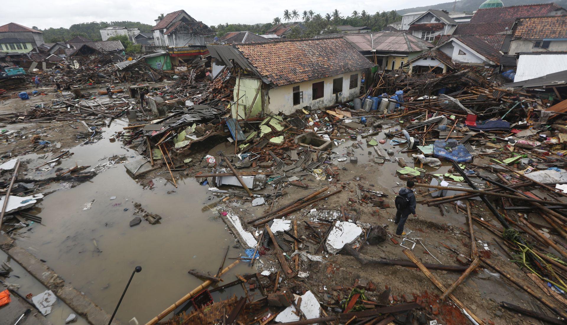INDONEZIJA U tsunamiju poginulo 429 ljudi