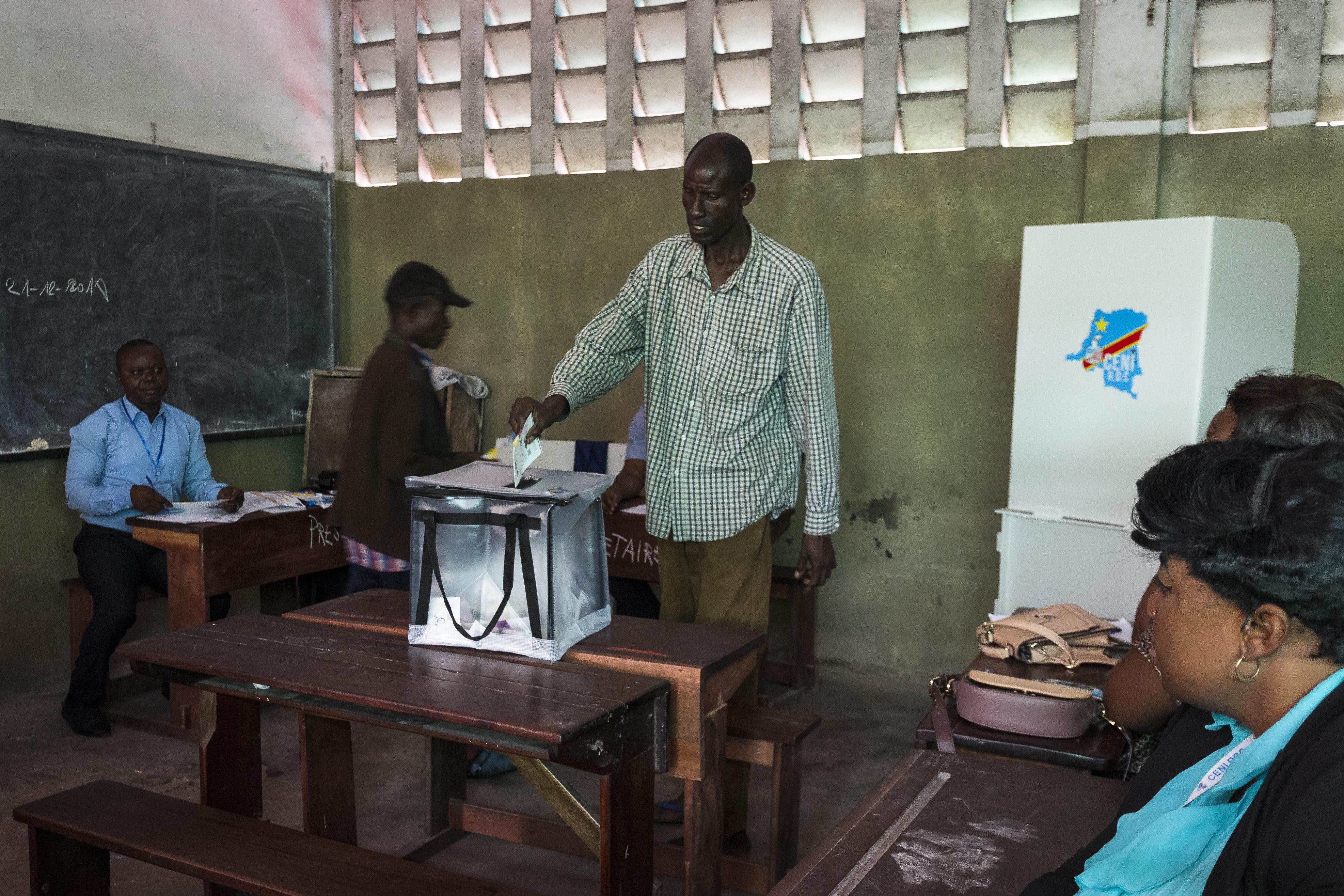 Kašnjenje, kvarovi, nepravilnosti i nasilje na izborima u Kongu