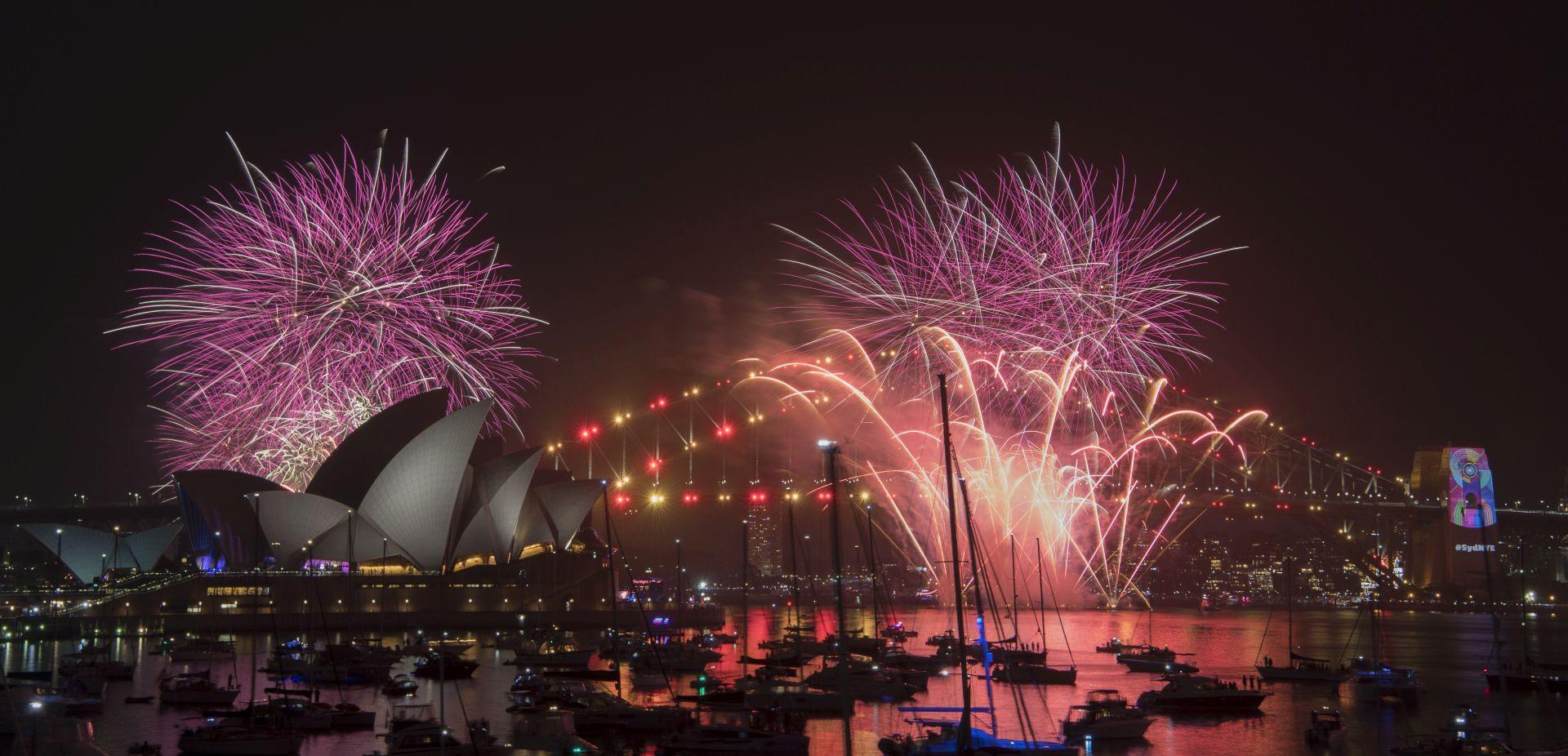 Sydney spektakularnim vatrometom dočekao Novu godinu