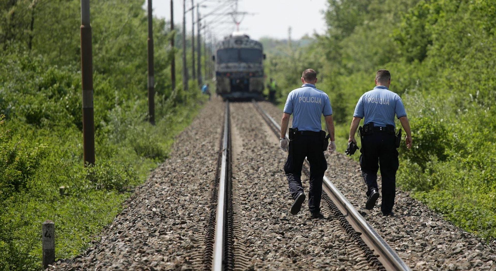 Vlak naletio na vozilo, nema ozlijeđenih