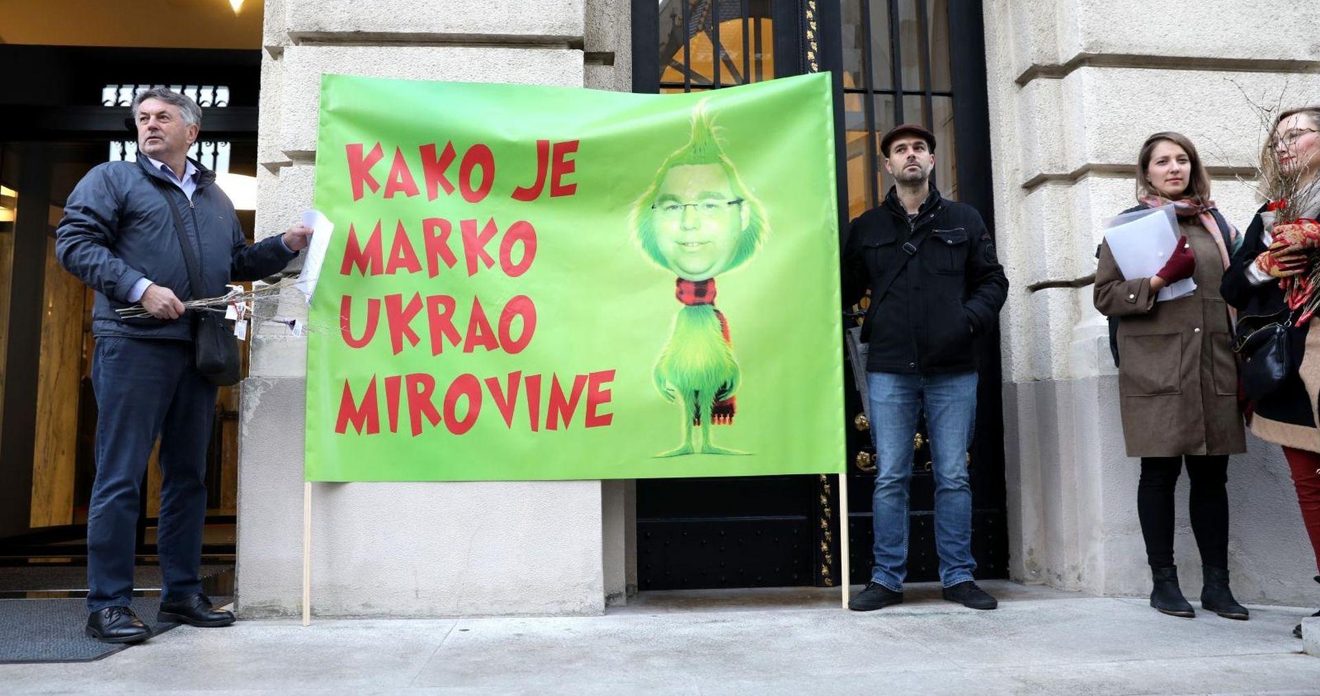 Sindikat umirovljenika prosvjedovao ispred Sabora