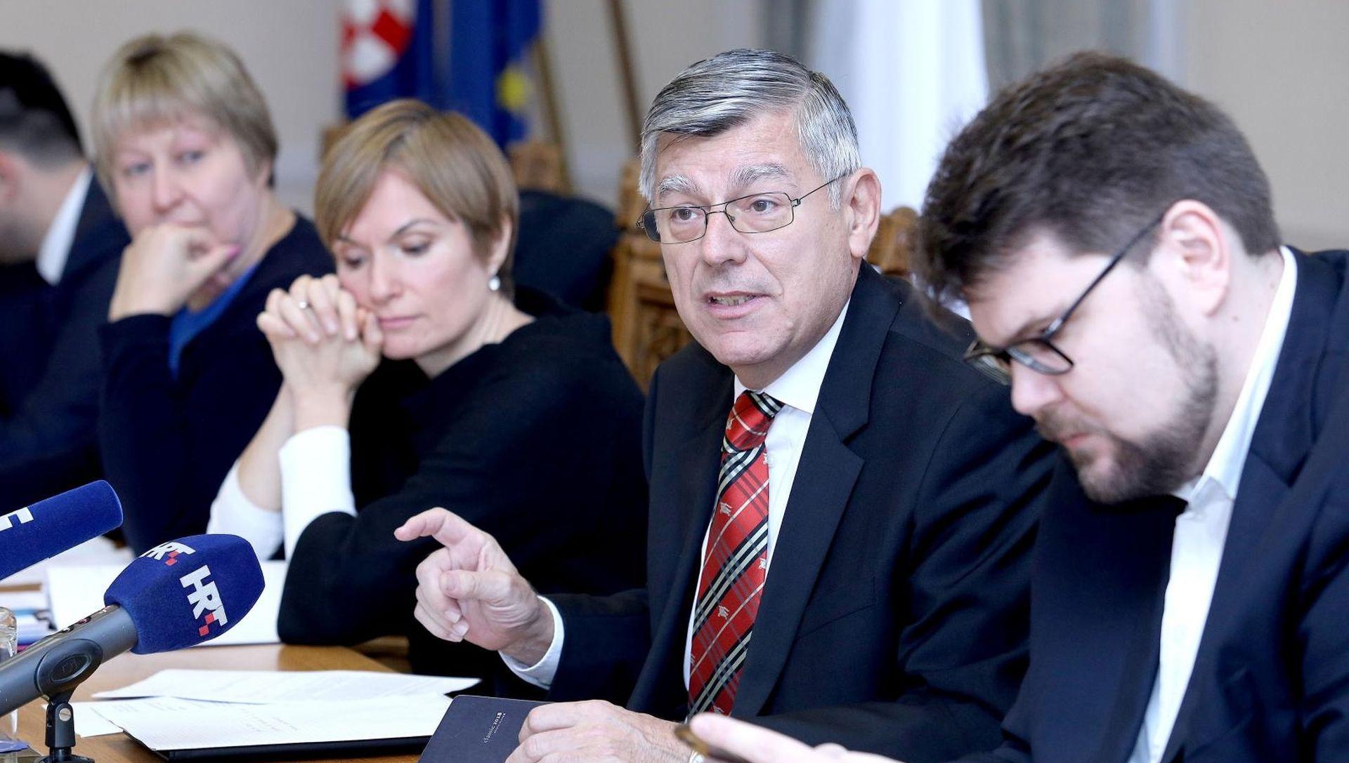 Odbor za Ustav o 'dvostrukim kriterijima' Reinera