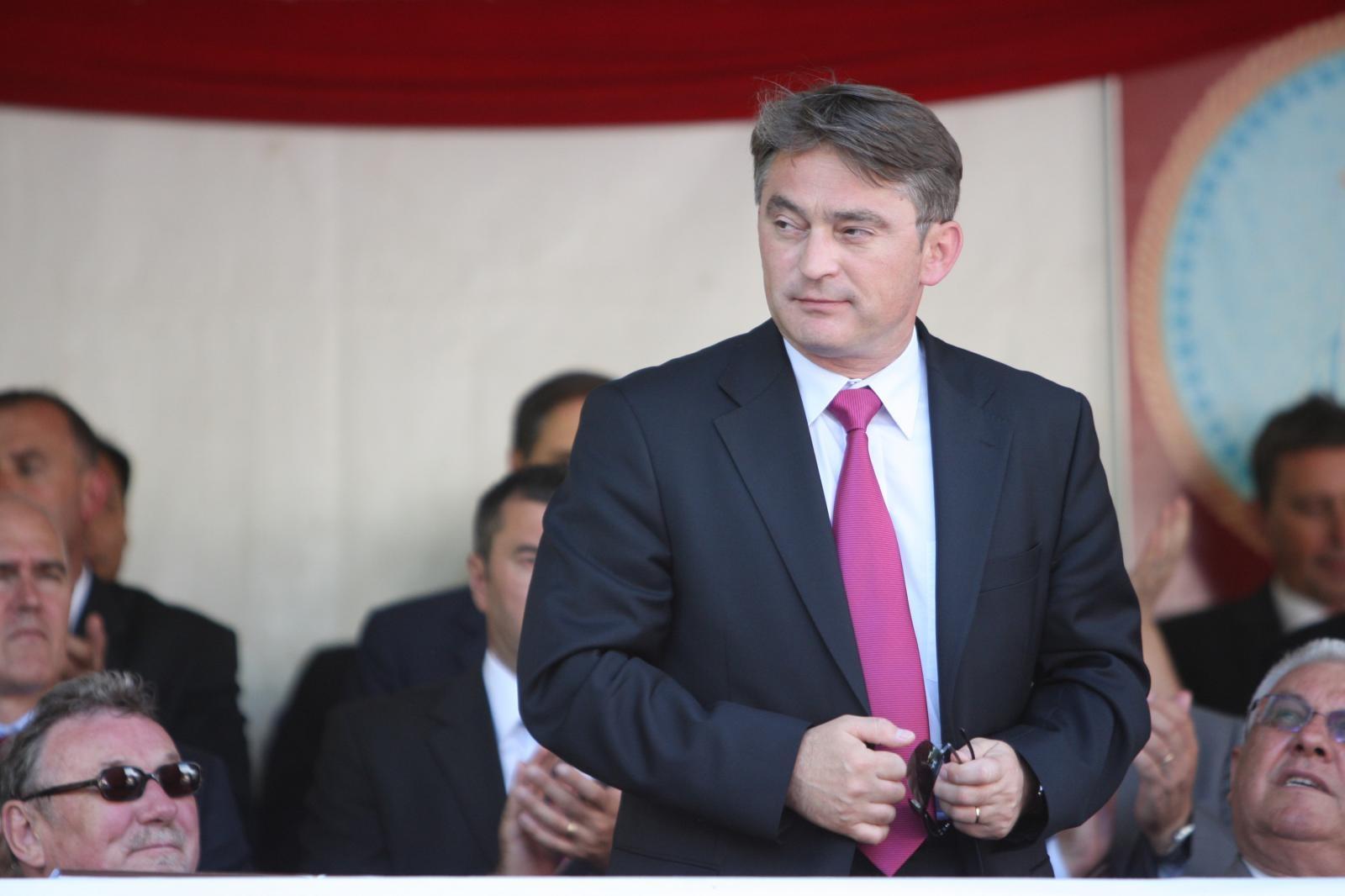 Komšić u ured vratio Titov portret i izbacio zastavu Herceg-Bosne