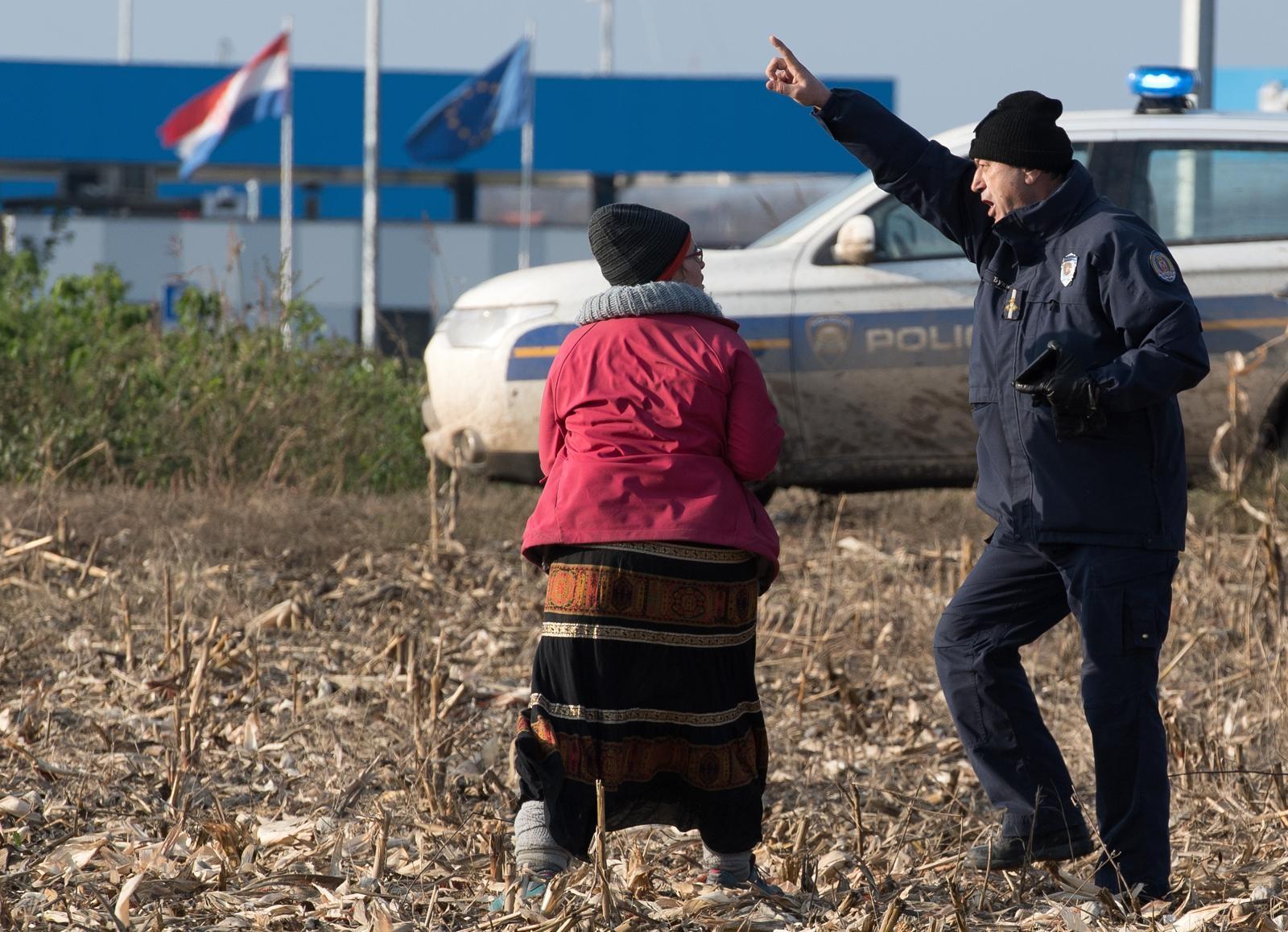 Zbog ilegalnih migranata čekanje kamiona na granici dulje za pola sata