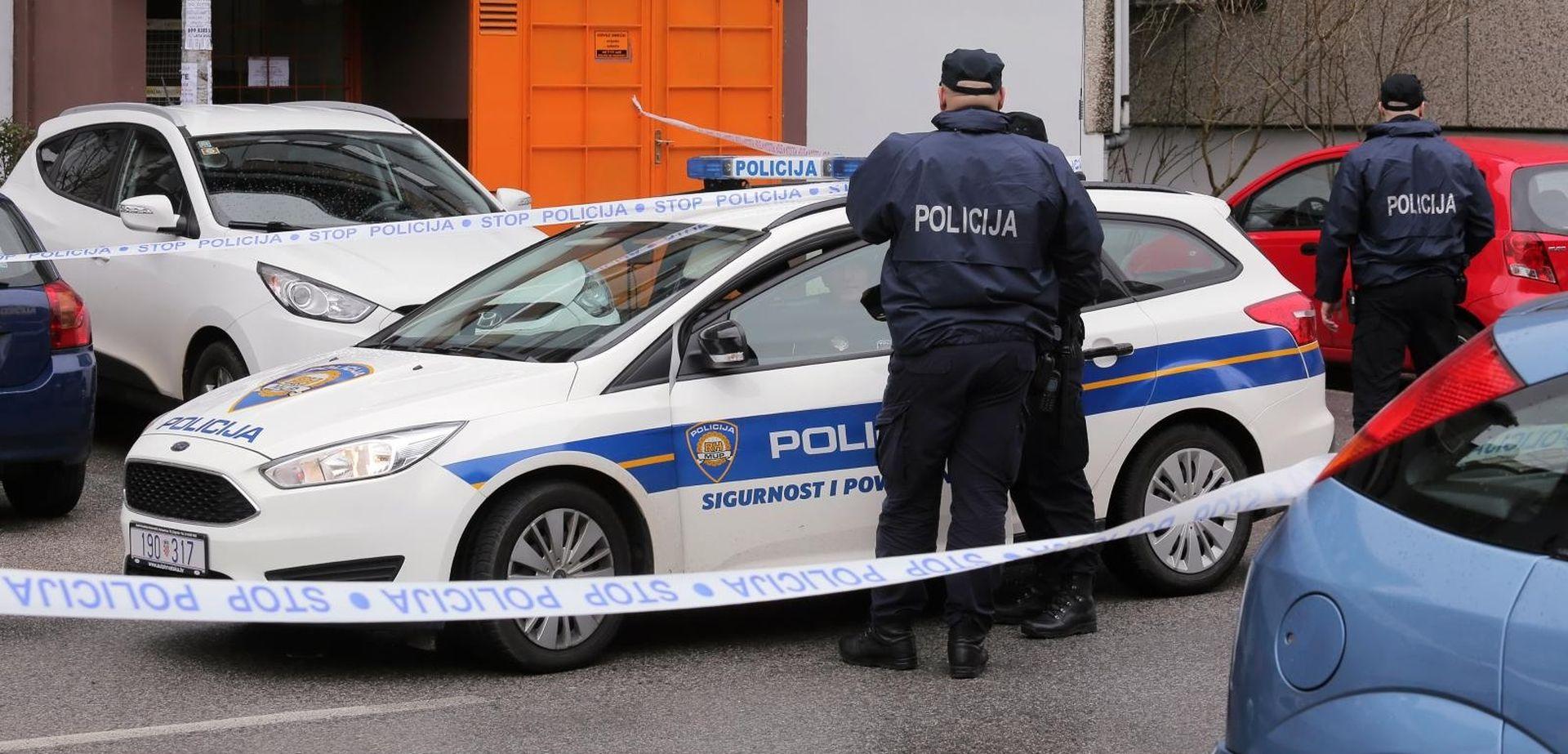 U požaru u zagrebačkom Španskom izgorjela tri automobila