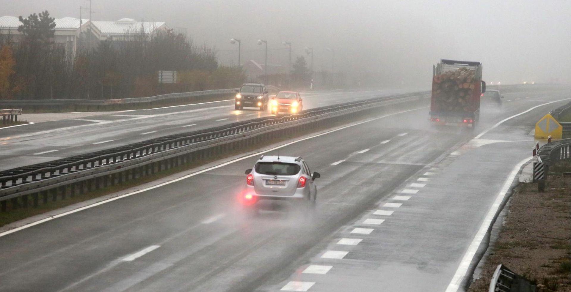 HAK upozorava na maglu i skliske kolnike