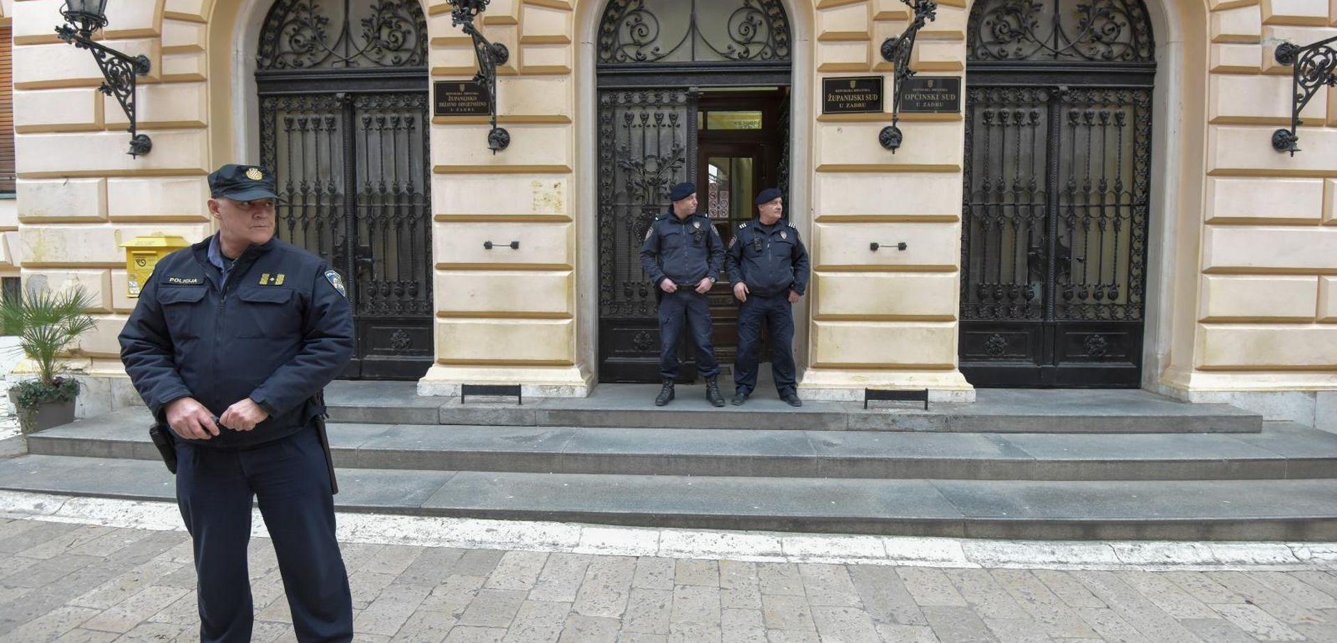 Policija istražuje svjedoke koji nisu pružili pomoć pretučenoj Loreni