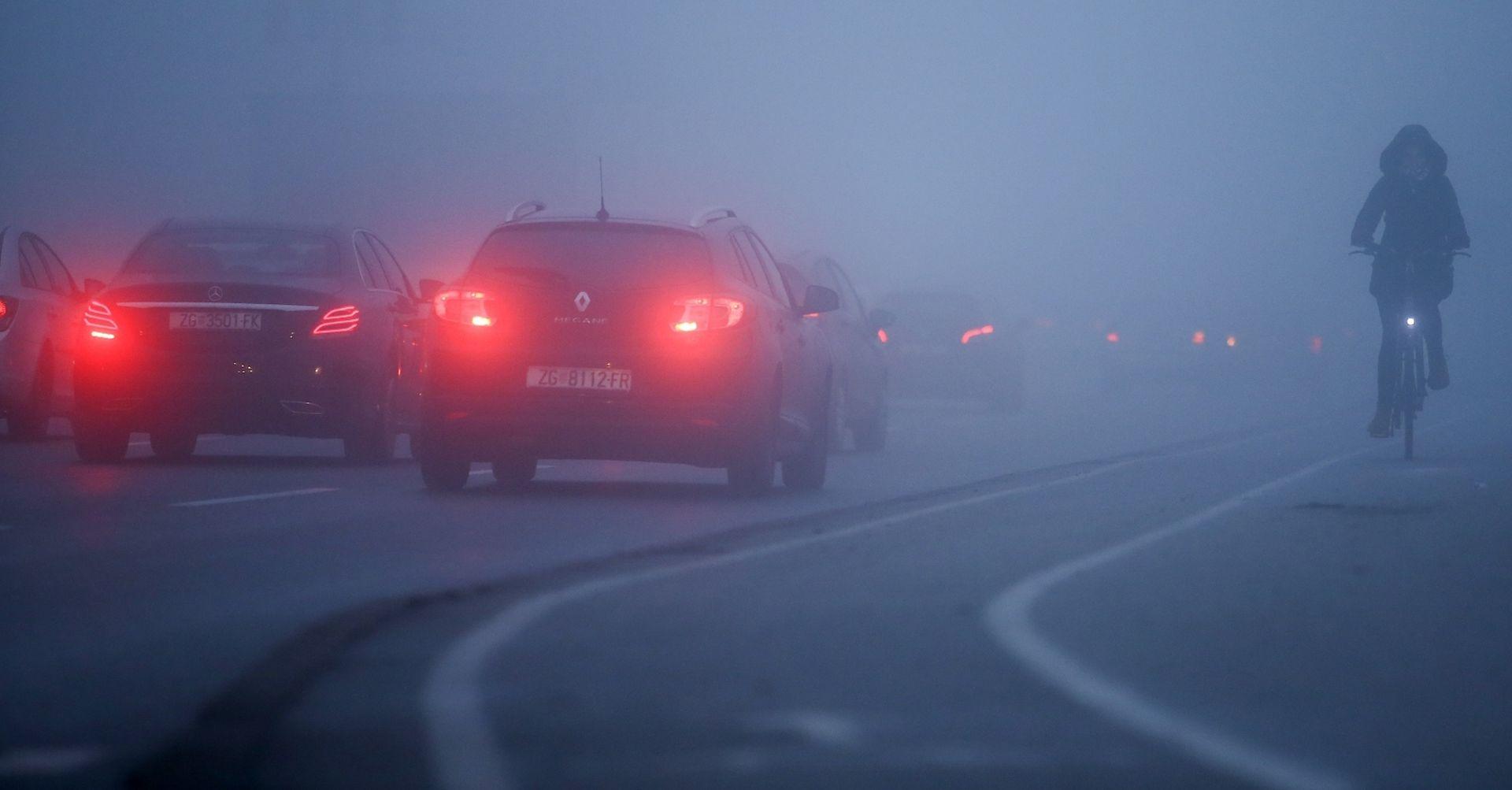 HAK upozorava na gustu maglu, pojačan promet u gradovima