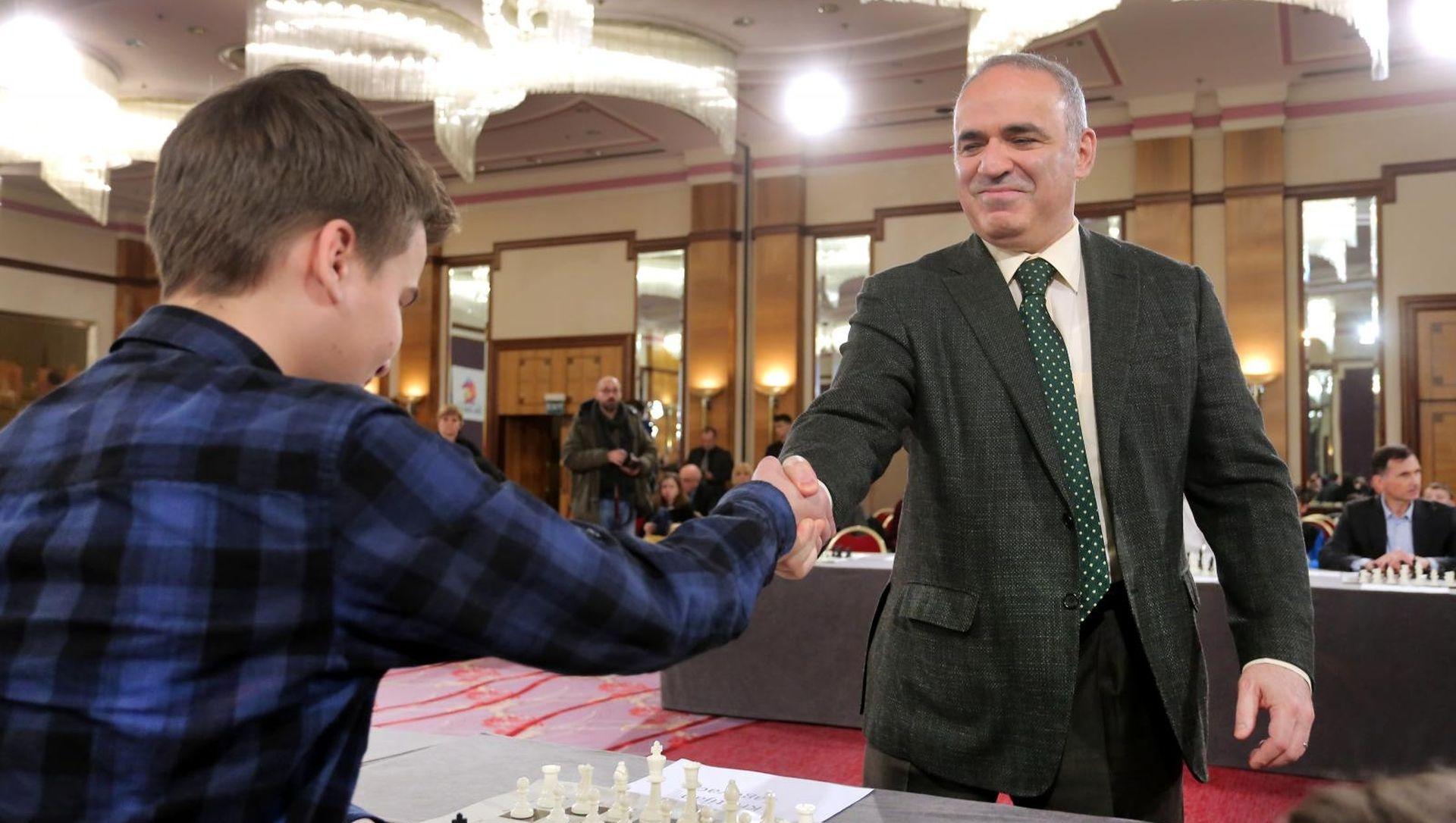 'ŠAH UZ ŠKOLU' Kasparov opet maksimalno