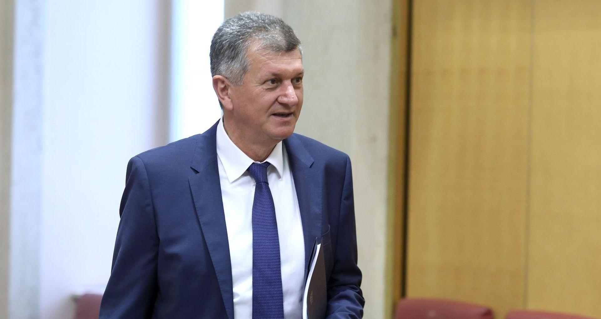 """KUJUNDŽIĆ """"Pozivam da se slučajevi korupcije prijavljuju"""""""