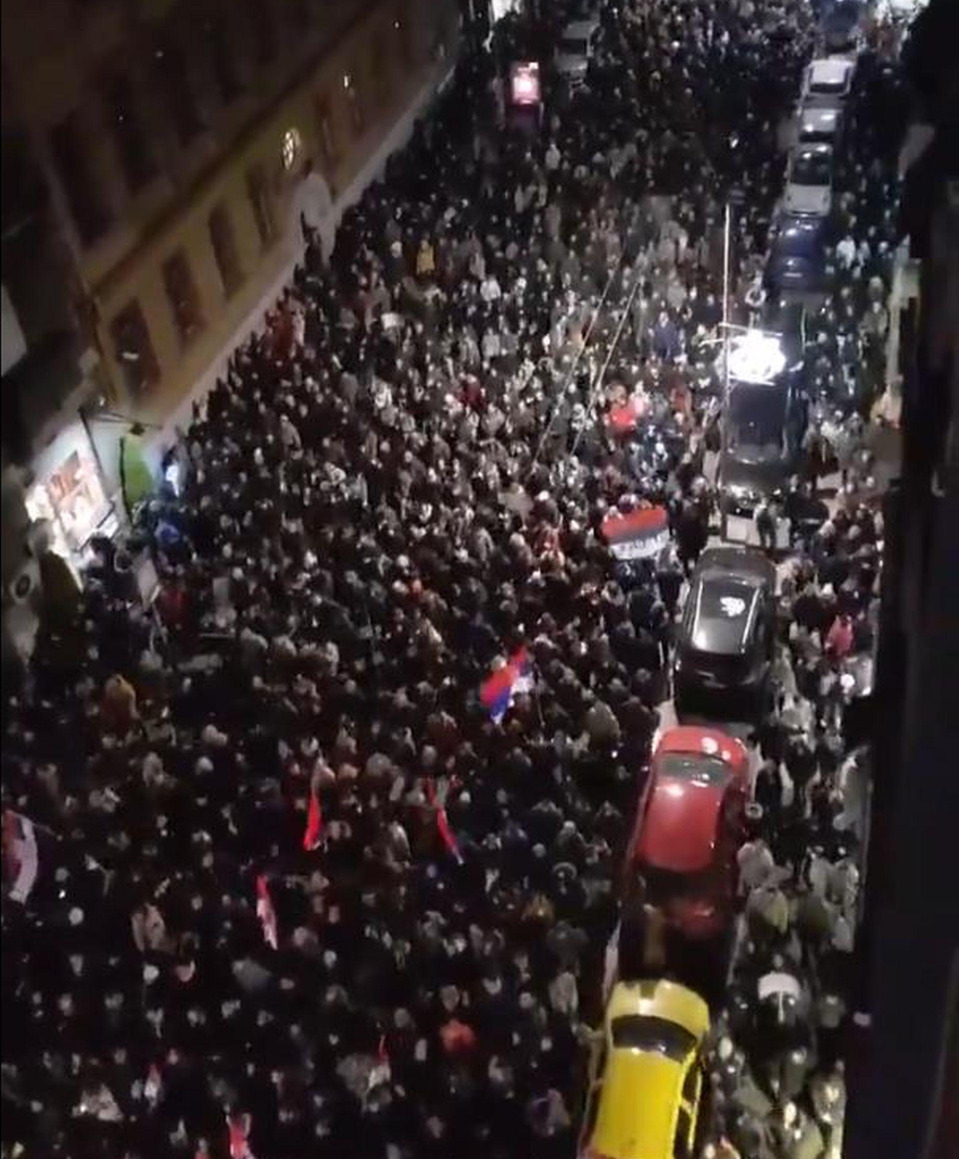 Tisuće Brograđana opet prosvjedovalo protiv Vučića