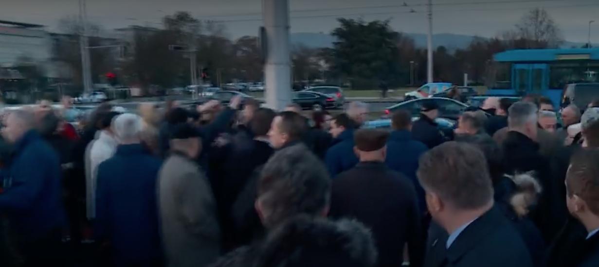 """Uhićen nakon što je tijekom otkrivanja spomenika Tuđmanu vikao """"Tuđman zločinac"""""""