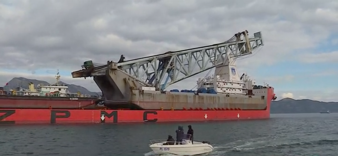 U luku Ploče uplovio prvi kineski brod s opremom za gradnju Pelješkog mosta